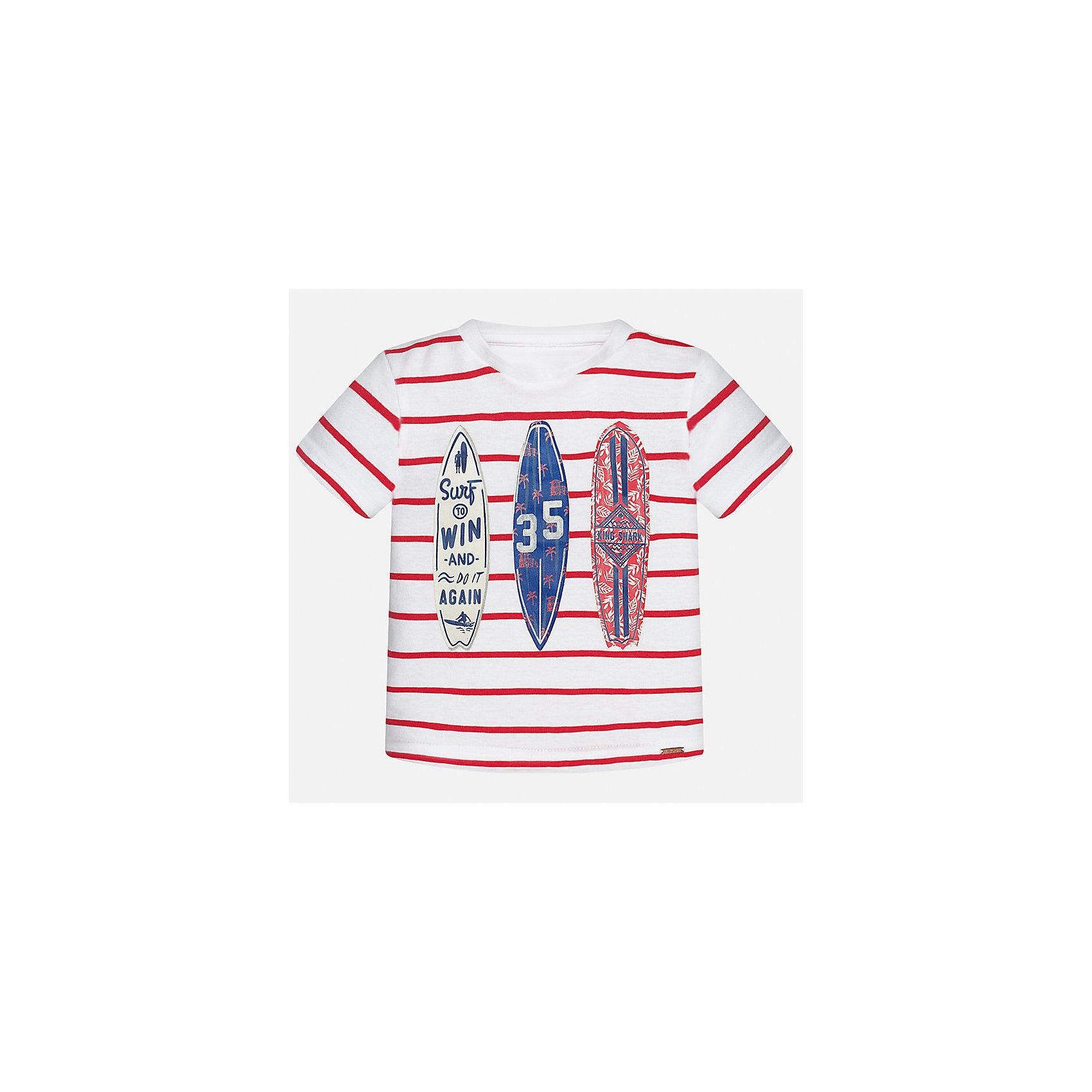 Футболка для мальчика MayoralФутболки, топы<br>Характеристики товара:<br><br>• цвет: белый/красный<br>• состав: 100% хлопок<br>• круглый горловой вырез<br>• декорирована принтом<br>• короткие рукава<br>• мягкая отделка горловины<br>• страна бренда: Испания<br><br>Стильная удобная футболка с принтом поможет разнообразить гардероб мальчика. Она отлично сочетается с брюками, шортами, джинсами. Универсальный крой и цвет позволяет подобрать к вещи низ разных расцветок. Практичное и стильное изделие! Хорошо смотрится и комфортно сидит на детях. В составе материала - натуральный хлопок, гипоаллергенный, приятный на ощупь, дышащий. <br><br>Одежда, обувь и аксессуары от испанского бренда Mayoral полюбились детям и взрослым по всему миру. Модели этой марки - стильные и удобные. Для их производства используются только безопасные, качественные материалы и фурнитура. Порадуйте ребенка модными и красивыми вещами от Mayoral! <br><br>Футболку для мальчика от испанского бренда Mayoral (Майорал) можно купить в нашем интернет-магазине.<br><br>Ширина мм: 199<br>Глубина мм: 10<br>Высота мм: 161<br>Вес г: 151<br>Цвет: красный<br>Возраст от месяцев: 12<br>Возраст до месяцев: 15<br>Пол: Мужской<br>Возраст: Детский<br>Размер: 80,92,86<br>SKU: 5278441