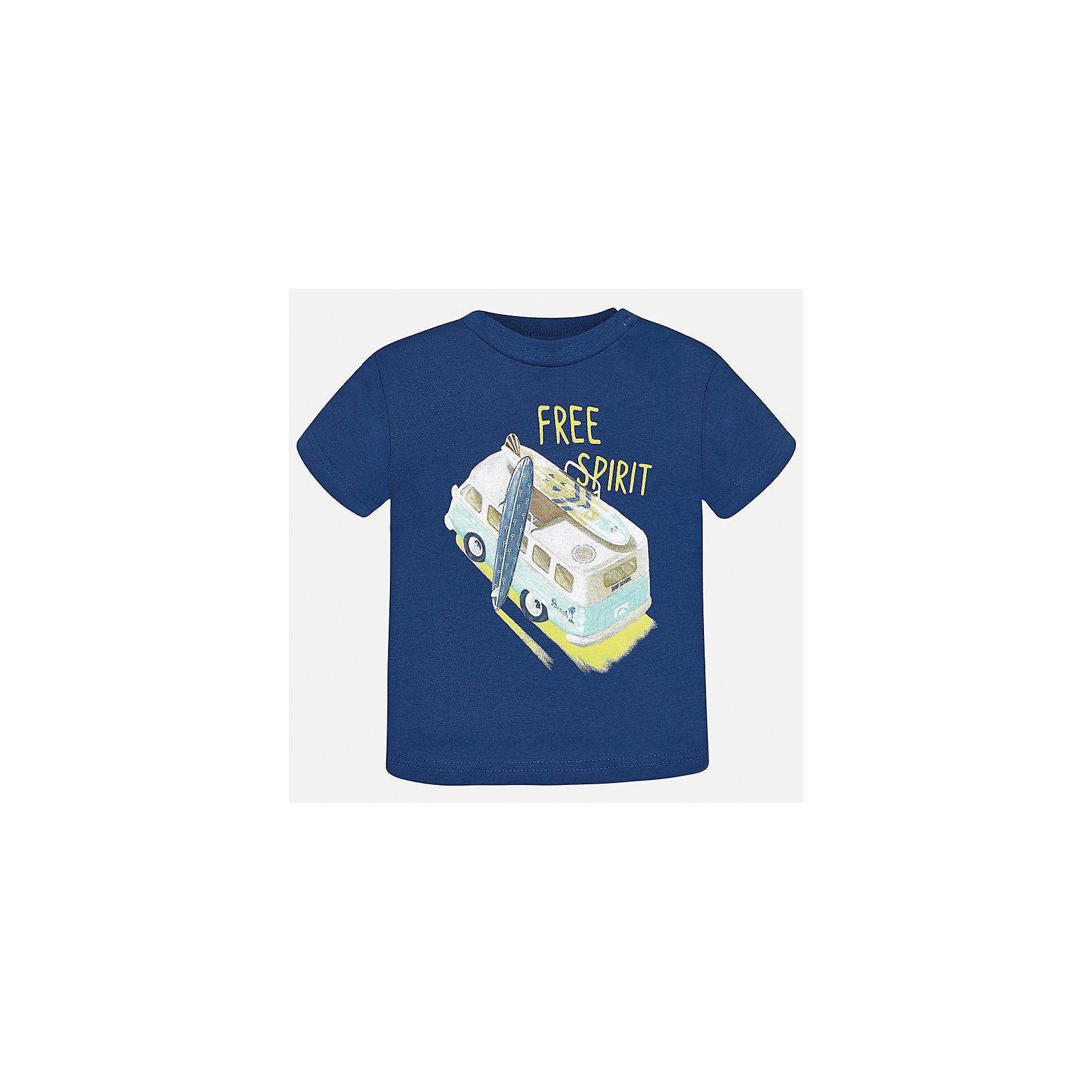 Футболка для мальчика MayoralФутболки, топы<br>Характеристики товара:<br><br>• цвет: синий<br>• состав: 100% хлопок<br>• круглый горловой вырез<br>• декорирована принтом<br>• короткие рукава<br>• мягкая отделка горловины<br>• страна бренда: Испания<br><br>Стильная удобная футболка с принтом поможет разнообразить гардероб мальчика. Она отлично сочетается с брюками, шортами, джинсами. Универсальный крой и цвет позволяет подобрать к вещи низ разных расцветок. Практичное и стильное изделие! Хорошо смотрится и комфортно сидит на детях. В составе материала - натуральный хлопок, гипоаллергенный, приятный на ощупь, дышащий. <br><br>Одежда, обувь и аксессуары от испанского бренда Mayoral полюбились детям и взрослым по всему миру. Модели этой марки - стильные и удобные. Для их производства используются только безопасные, качественные материалы и фурнитура. Порадуйте ребенка модными и красивыми вещами от Mayoral! <br><br>Футболку для мальчика от испанского бренда Mayoral (Майорал) можно купить в нашем интернет-магазине.<br><br>Ширина мм: 199<br>Глубина мм: 10<br>Высота мм: 161<br>Вес г: 151<br>Цвет: серый<br>Возраст от месяцев: 12<br>Возраст до месяцев: 15<br>Пол: Мужской<br>Возраст: Детский<br>Размер: 80,92,86<br>SKU: 5278453