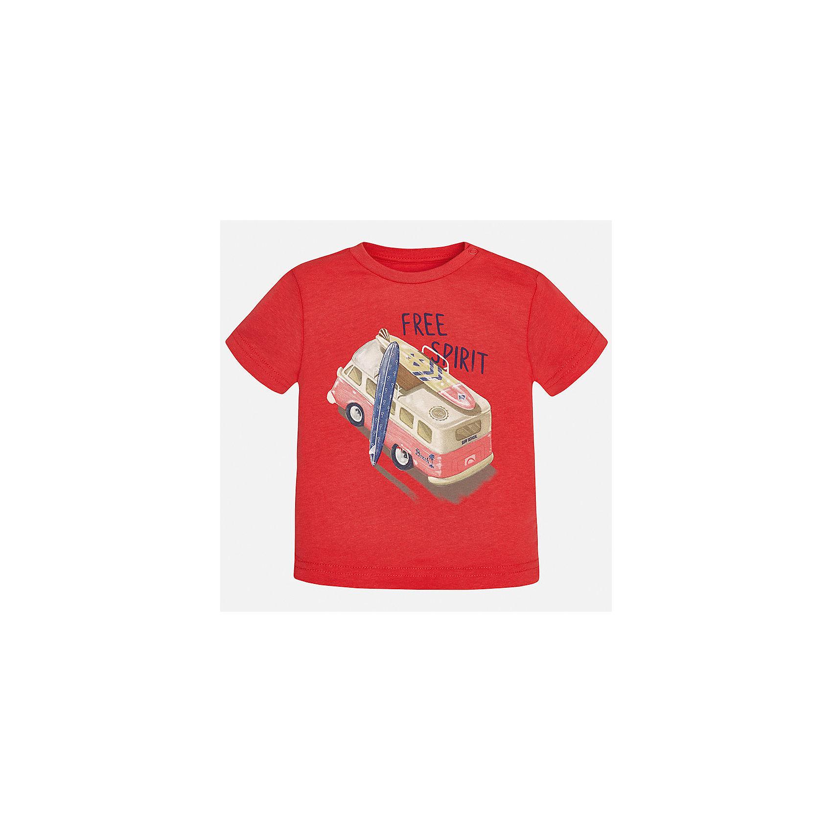 Футболка для мальчика MayoralФутболки, поло и топы<br>Характеристики товара:<br><br>• цвет: красный<br>• состав: 100% хлопок<br>• круглый горловой вырез<br>• декорирована принтом<br>• короткие рукава<br>• мягкая отделка горловины<br>• страна бренда: Испания<br><br>Стильная удобная футболка с принтом поможет разнообразить гардероб мальчика. Она отлично сочетается с брюками, шортами, джинсами. Универсальный крой и цвет позволяет подобрать к вещи низ разных расцветок. Практичное и стильное изделие! Хорошо смотрится и комфортно сидит на детях. В составе материала - натуральный хлопок, гипоаллергенный, приятный на ощупь, дышащий. <br><br>Одежда, обувь и аксессуары от испанского бренда Mayoral полюбились детям и взрослым по всему миру. Модели этой марки - стильные и удобные. Для их производства используются только безопасные, качественные материалы и фурнитура. Порадуйте ребенка модными и красивыми вещами от Mayoral! <br><br>Футболку для мальчика от испанского бренда Mayoral (Майорал) можно купить в нашем интернет-магазине.<br><br>Ширина мм: 199<br>Глубина мм: 10<br>Высота мм: 161<br>Вес г: 151<br>Цвет: розовый<br>Возраст от месяцев: 18<br>Возраст до месяцев: 24<br>Пол: Мужской<br>Возраст: Детский<br>Размер: 92,80,86<br>SKU: 5278457