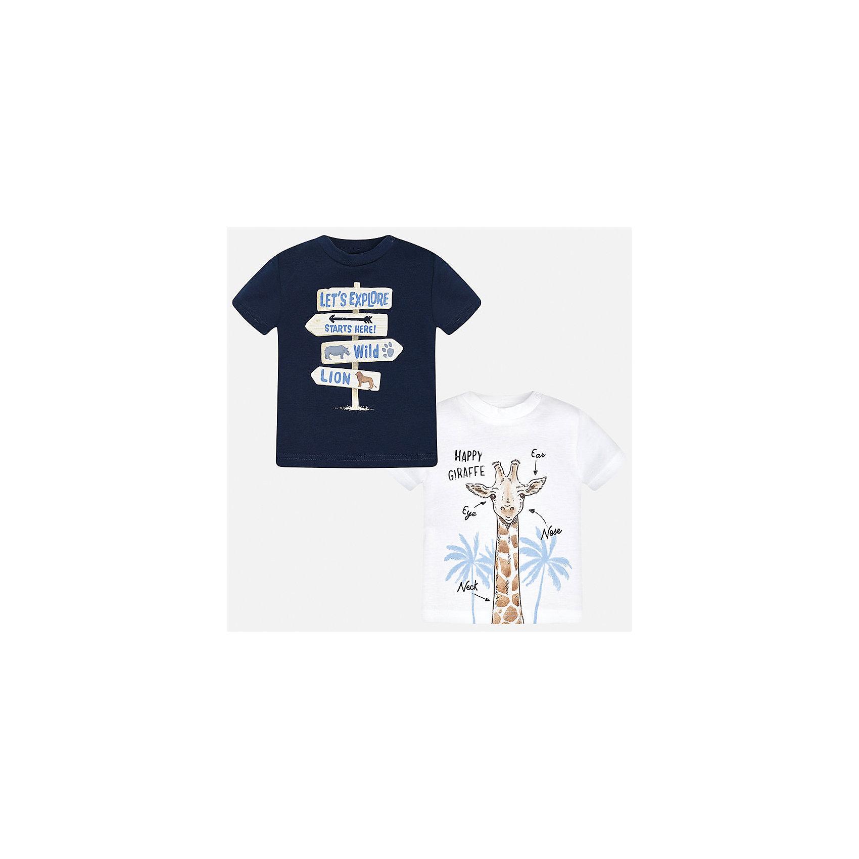 Футболка (2 шт.) для мальчика MayoralФутболки, поло и топы<br>Характеристики товара:<br><br>• цвет: белый/синий<br>• состав: 100% хлопок<br>• комплектация: 2 шт<br>• круглый горловой вырез<br>• декорирована принтом<br>• короткие рукава<br>• мягкая отделка горловины<br>• страна бренда: Испания<br><br>Стильная удобная футболка с принтом поможет разнообразить гардероб мальчика. Она отлично сочетается с брюками, шортами, джинсами.Практичное и стильное изделие! Хорошо смотрится и комфортно сидит на детях. В составе материала - натуральный хлопок, гипоаллергенный, приятный на ощупь, дышащий. В этом наборе - сразу две модные футболки разных расцветок!<br><br>Футболку (2 шт.) для мальчика от испанского бренда Mayoral (Майорал) можно купить в нашем интернет-магазине.<br><br>Ширина мм: 199<br>Глубина мм: 10<br>Высота мм: 161<br>Вес г: 151<br>Цвет: синий<br>Возраст от месяцев: 12<br>Возраст до месяцев: 18<br>Пол: Мужской<br>Возраст: Детский<br>Размер: 86,80,92<br>SKU: 5278473