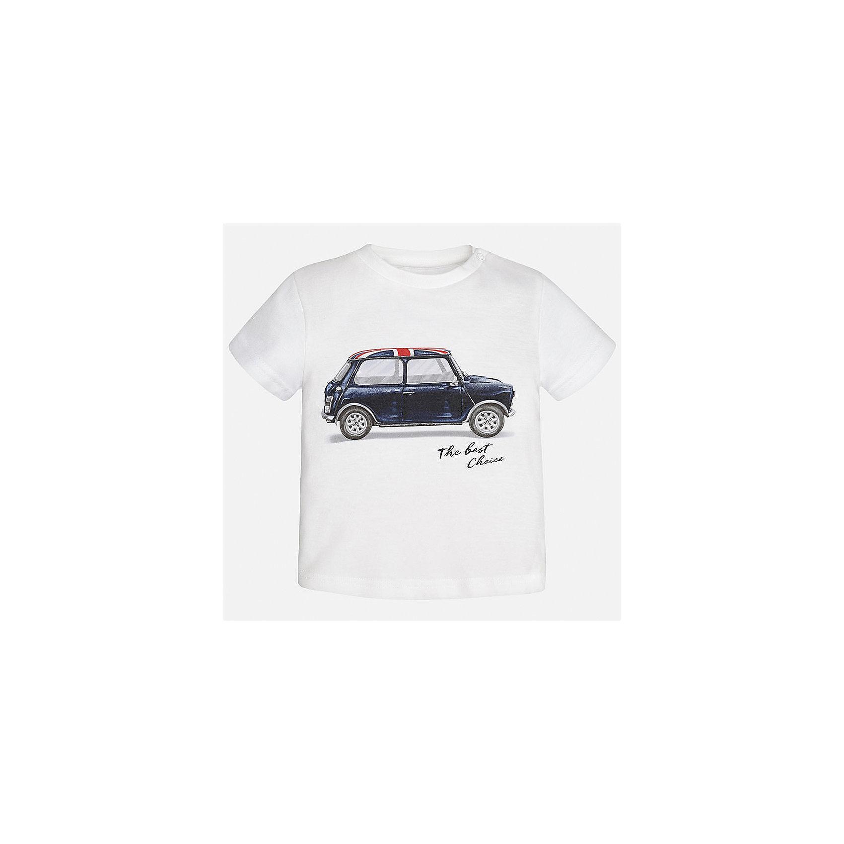 Футболка для мальчика MayoralФутболки, топы<br>Характеристики товара:<br><br>• цвет: белый<br>• состав: 100% хлопок<br>• круглый горловой вырез<br>• декорирована принтом<br>• короткие рукава<br>• мягкая отделка горловины<br>• страна бренда: Испания<br><br>Красивая хлопковая футболка с принтом поможет разнообразить гардероб мальчика. Она отлично сочетается с брюками, шортами, джинсами. Универсальный крой и цвет позволяет подобрать к вещи низ разных расцветок. Практичное и стильное изделие! Хорошо смотрится и комфортно сидит на детях. В составе материала - только натуральный хлопок, гипоаллергенный, приятный на ощупь, дышащий. <br><br>Одежда, обувь и аксессуары от испанского бренда Mayoral полюбились детям и взрослым по всему миру. Модели этой марки - стильные и удобные. Для их производства используются только безопасные, качественные материалы и фурнитура. Порадуйте ребенка модными и красивыми вещами от Mayoral! <br><br>Футболку для мальчика от испанского бренда Mayoral (Майорал) можно купить в нашем интернет-магазине.<br><br>Ширина мм: 199<br>Глубина мм: 10<br>Высота мм: 161<br>Вес г: 151<br>Цвет: белый<br>Возраст от месяцев: 18<br>Возраст до месяцев: 24<br>Пол: Мужской<br>Возраст: Детский<br>Размер: 92,86,80<br>SKU: 5278489