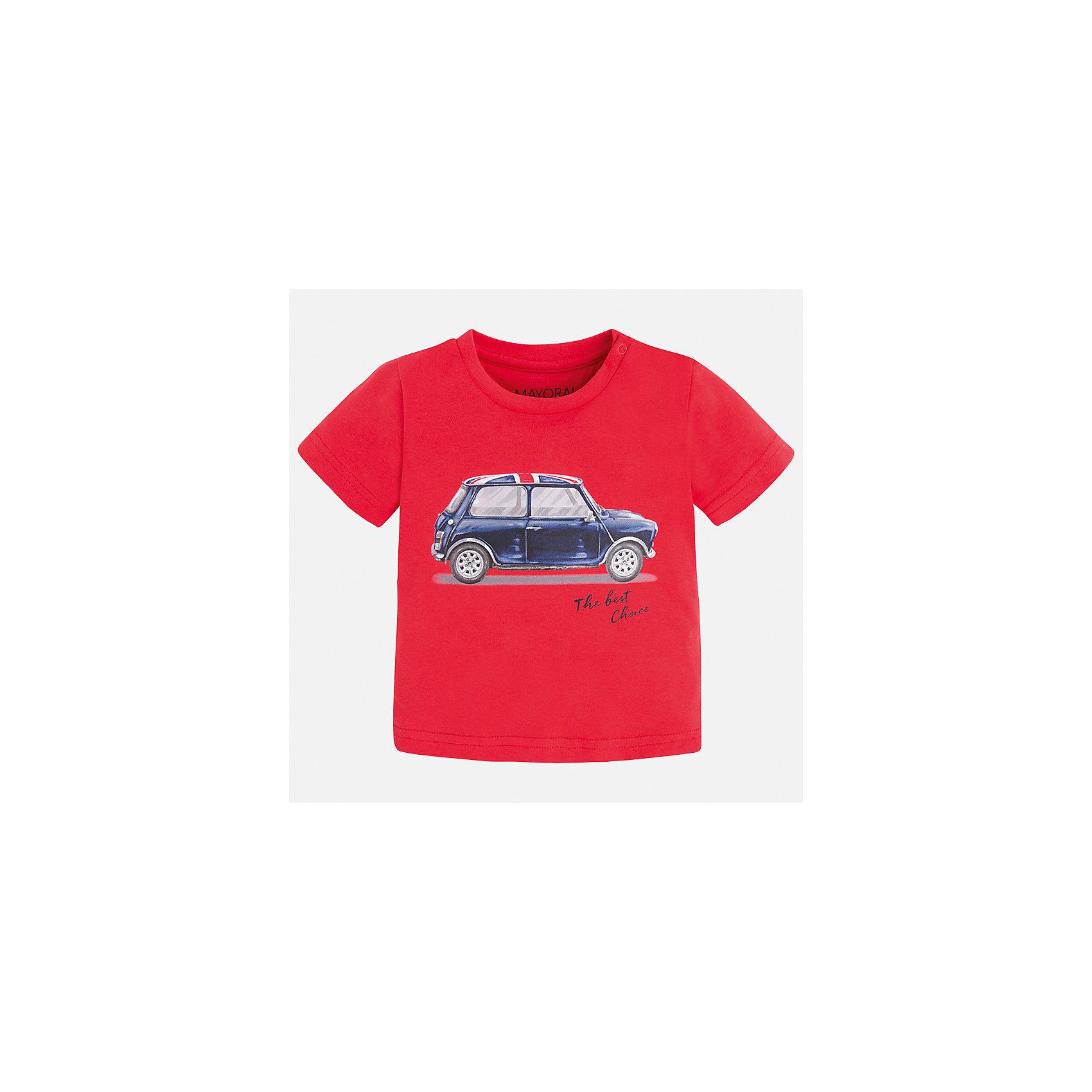 Футболка для мальчика MayoralХарактеристики товара:<br><br>• цвет: красный<br>• состав: 100% хлопок<br>• круглый горловой вырез<br>• декорирована принтом<br>• короткие рукава<br>• мягкая отделка горловины<br>• страна бренда: Испания<br><br>Красивая хлопковая футболка с принтом поможет разнообразить гардероб мальчика. Она отлично сочетается с брюками, шортами, джинсами. Универсальный крой и цвет позволяет подобрать к вещи низ разных расцветок. Практичное и стильное изделие! Хорошо смотрится и комфортно сидит на детях. В составе материала - только натуральный хлопок, гипоаллергенный, приятный на ощупь, дышащий. <br><br>Одежда, обувь и аксессуары от испанского бренда Mayoral полюбились детям и взрослым по всему миру. Модели этой марки - стильные и удобные. Для их производства используются только безопасные, качественные материалы и фурнитура. Порадуйте ребенка модными и красивыми вещами от Mayoral! <br><br>Футболку для мальчика от испанского бренда Mayoral (Майорал) можно купить в нашем интернет-магазине.<br><br>Ширина мм: 199<br>Глубина мм: 10<br>Высота мм: 161<br>Вес г: 151<br>Цвет: розовый<br>Возраст от месяцев: 12<br>Возраст до месяцев: 15<br>Пол: Мужской<br>Возраст: Детский<br>Размер: 80,86,92<br>SKU: 5278497