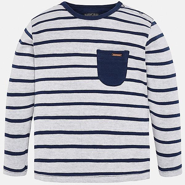 Футболка с длинным рукавом для мальчика MayoralФутболки с длинным рукавом<br>Характеристики товара:<br><br>• цвет: бело-синий<br>• состав: 98% хлопок, 2% полиэстер<br>• округлый горловой вырез<br>• карман на груди<br>• длинные рукава<br>• мягкая отделка горловины<br>• страна бренда: Испания<br><br>Красивая хлопковая футболка с принтом поможет разнообразить гардероб мальчика. Она отлично сочетается с брюками, шортами, джинсами. Универсальный крой и цвет позволяет подобрать к вещи низ разных расцветок. Практичное и стильное изделие! Хорошо смотрится и комфортно сидит на детях. В составе материала - натуральный хлопок, гипоаллергенный, приятный на ощупь, дышащий. <br><br>Одежда, обувь и аксессуары от испанского бренда Mayoral полюбились детям и взрослым по всему миру. Модели этой марки - стильные и удобные. Для их производства используются только безопасные, качественные материалы и фурнитура. Порадуйте ребенка модными и красивыми вещами от Mayoral! <br><br>Футболку с длинным рукавом для мальчика от испанского бренда Mayoral (Майорал) можно купить в нашем интернет-магазине.<br><br>Ширина мм: 230<br>Глубина мм: 40<br>Высота мм: 220<br>Вес г: 250<br>Цвет: синий<br>Возраст от месяцев: 12<br>Возраст до месяцев: 15<br>Пол: Мужской<br>Возраст: Детский<br>Размер: 80,86,92<br>SKU: 5278525