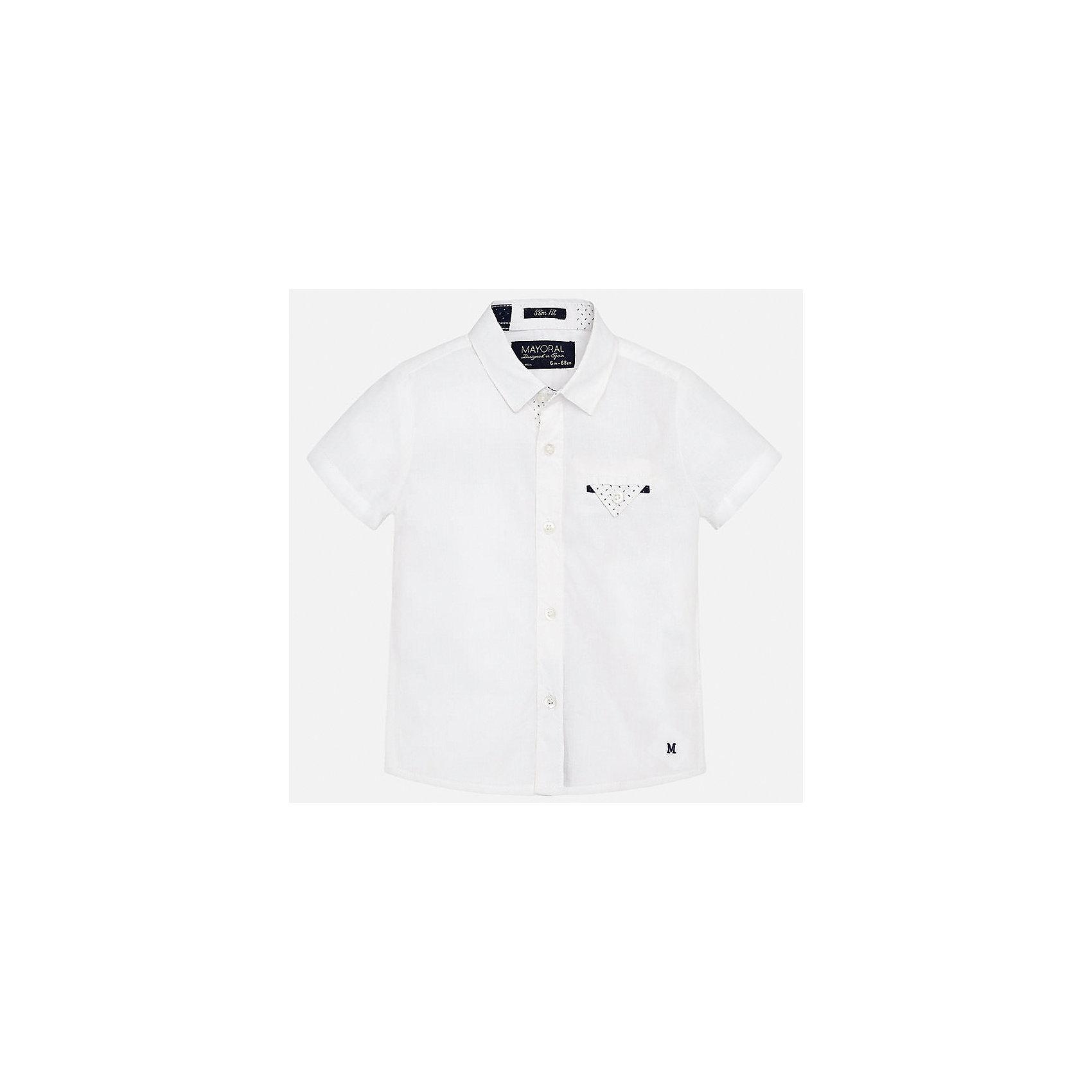 Рубашка для мальчика MayoralБлузки и рубашки<br>Характеристики товара:<br><br>• цвет: белый<br>• состав: 100% хлопок<br>• отложной воротник<br>• короткие рукава<br>• застежка: пуговицы<br>• карман на груди<br>• страна бренда: Испания<br><br>Красивая рубашка может отлично дополнить гардероб ребенка. Она хорошо сочетается с брюками, шортами, джинсами и т.д. Универсальный крой и цвет позволяет подобрать к вещи низ разных расцветок. Практичное и стильное изделие! В составе материала - только натуральный хлопок, гипоаллергенный, приятный на ощупь, дышащий.<br><br>Одежда, обувь и аксессуары от испанского бренда Mayoral полюбились детям и взрослым по всему миру. Модели этой марки - стильные и удобные. Для их производства используются только безопасные, качественные материалы и фурнитура. Порадуйте ребенка модными и красивыми вещами от Mayoral! <br><br>Рубашку для мальчика от испанского бренда Mayoral (Майорал) можно купить в нашем интернет-магазине.<br><br>Ширина мм: 174<br>Глубина мм: 10<br>Высота мм: 169<br>Вес г: 157<br>Цвет: белый<br>Возраст от месяцев: 12<br>Возраст до месяцев: 18<br>Пол: Мужской<br>Возраст: Детский<br>Размер: 86,80,92<br>SKU: 5279464