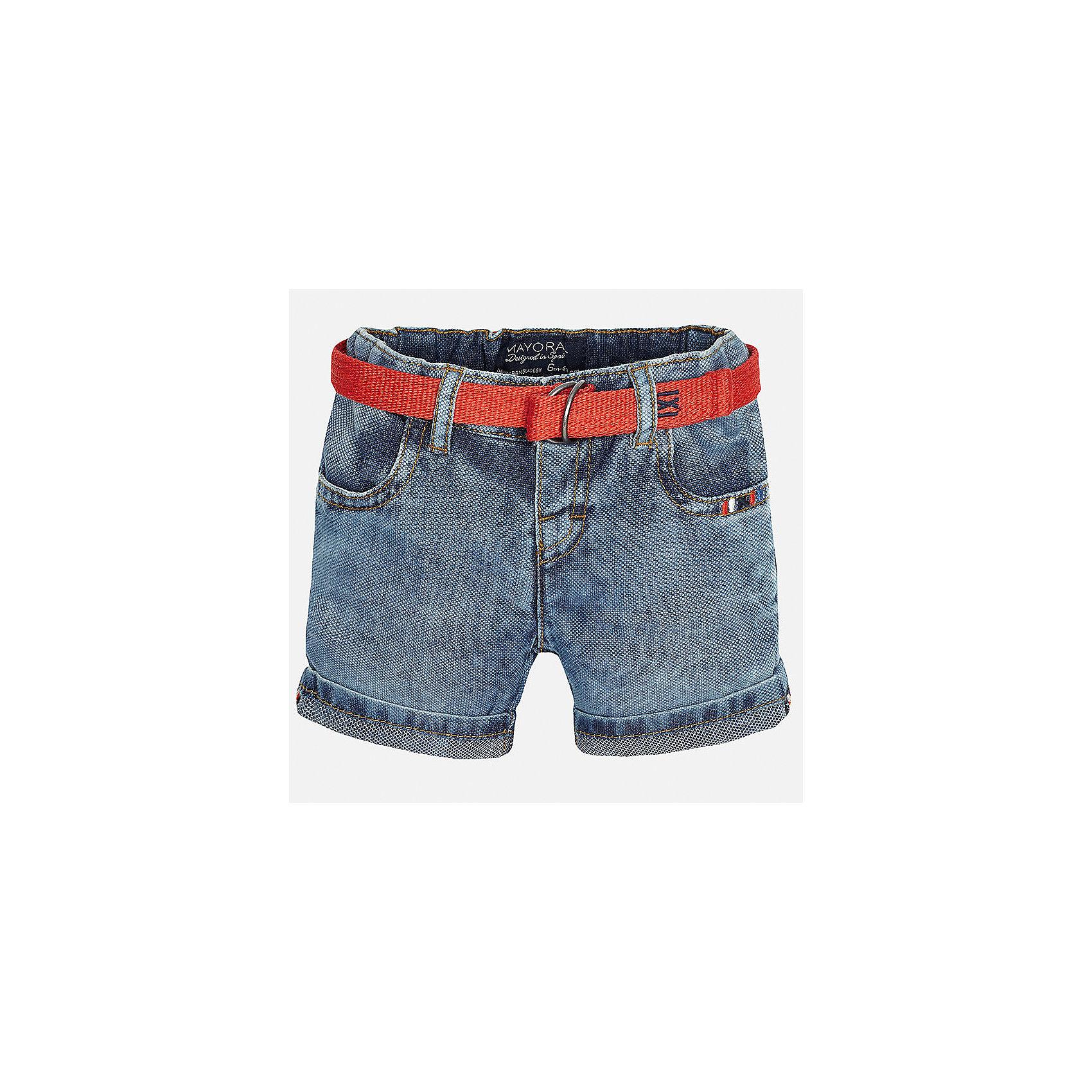 Бриджи джинсовые для мальчика MayoralШорты и бриджи<br>Характеристики товара:<br><br>• цвет: синий<br>• состав: 100% хлопок<br>• шлевки<br>• карманы<br>• пояс с регулировкой объема<br>• имитация потертостей<br>• страна бренда: Испания<br><br>Модные бриджи для мальчика смогут стать базовой вещью в гардеробе ребенка. Они отлично сочетаются с майками, футболками, рубашками и т.д. Универсальный крой и цвет позволяет подобрать к вещи верх разных расцветок. Практичное и стильное изделие! В составе материала - только натуральный хлопок, гипоаллергенный, приятный на ощупь, дышащий.<br><br>Одежда, обувь и аксессуары от испанского бренда Mayoral полюбились детям и взрослым по всему миру. Модели этой марки - стильные и удобные. Для их производства используются только безопасные, качественные материалы и фурнитура. Порадуйте ребенка модными и красивыми вещами от Mayoral! <br><br>Бриджи для мальчика от испанского бренда Mayoral (Майорал) можно купить в нашем интернет-магазине.<br><br>Ширина мм: 191<br>Глубина мм: 10<br>Высота мм: 175<br>Вес г: 273<br>Цвет: голубой<br>Возраст от месяцев: 12<br>Возраст до месяцев: 18<br>Пол: Мужской<br>Возраст: Детский<br>Размер: 86,92,80<br>SKU: 5279503
