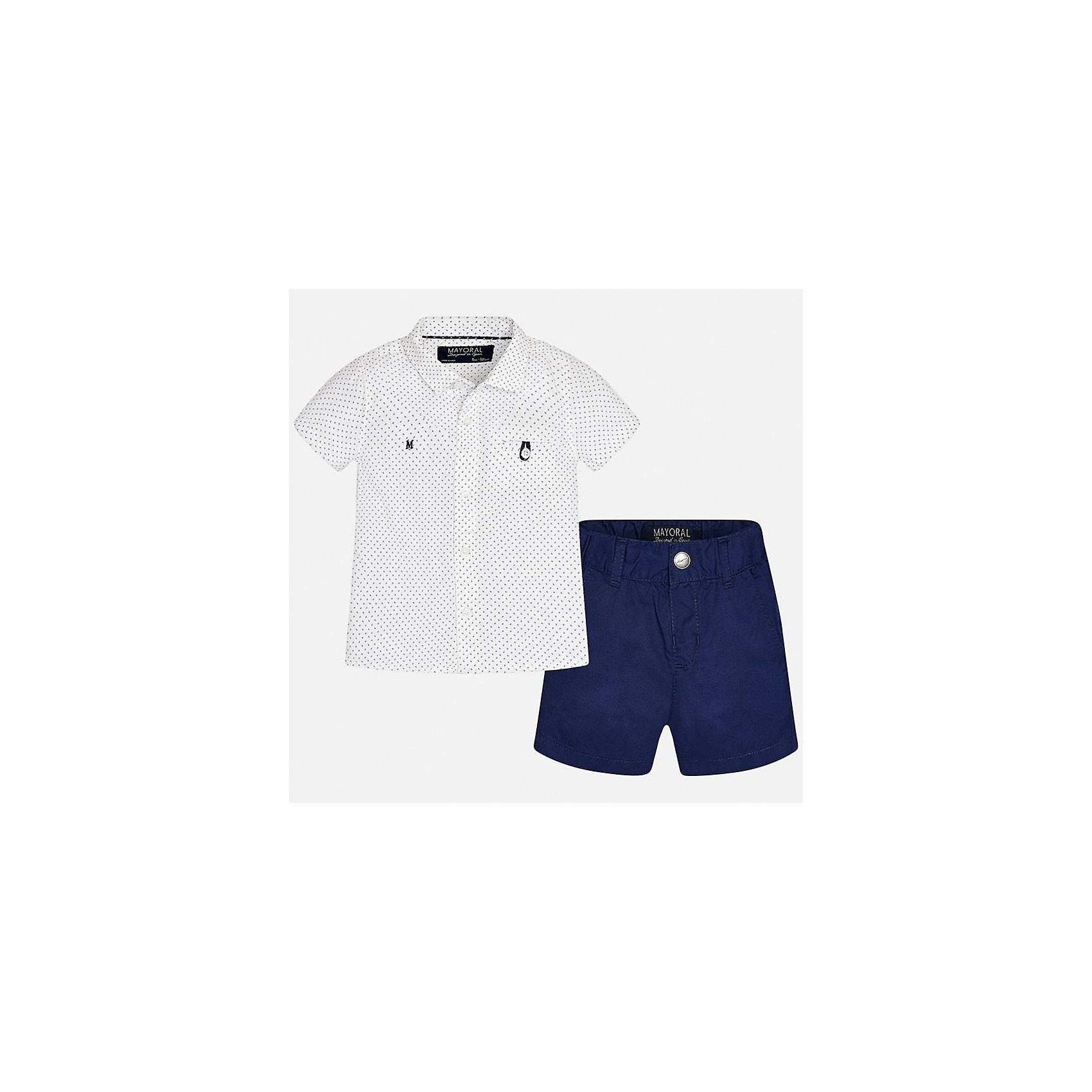Комплект: шорты и рубашка для мальчика MayoralКомплекты<br>Характеристики товара:<br><br>• цвет: белый/синий<br>• состав: 100% хлопок<br>• комплектация: футболка, шорты<br>• рубашка декорирована вышивкой<br>• отложной воротник, короткие рукава<br>• шорты однотонные<br>• шлевки<br>• пояс регулируется<br>• страна бренда: Испания<br><br>Красивый качественный комплект для мальчика поможет разнообразить гардероб ребенка и удобно одеться в теплую погоду. Он отлично сочетается с другими предметами. Универсальный цвет позволяет подобрать к вещам верхнюю одежду практически любой расцветки. Интересная отделка модели делает её нарядной и оригинальной. В составе материала - только натуральный хлопок, гипоаллергенный, приятный на ощупь, дышащий.<br><br>Одежда, обувь и аксессуары от испанского бренда Mayoral полюбились детям и взрослым по всему миру. Модели этой марки - стильные и удобные. Для их производства используются только безопасные, качественные материалы и фурнитура. Порадуйте ребенка модными и красивыми вещами от Mayoral! <br><br>Комплект для мальчика от испанского бренда Mayoral (Майорал) можно купить в нашем интернет-магазине.<br><br>Ширина мм: 191<br>Глубина мм: 10<br>Высота мм: 175<br>Вес г: 273<br>Цвет: черный<br>Возраст от месяцев: 18<br>Возраст до месяцев: 24<br>Пол: Мужской<br>Возраст: Детский<br>Размер: 92,86,80,74<br>SKU: 5279527