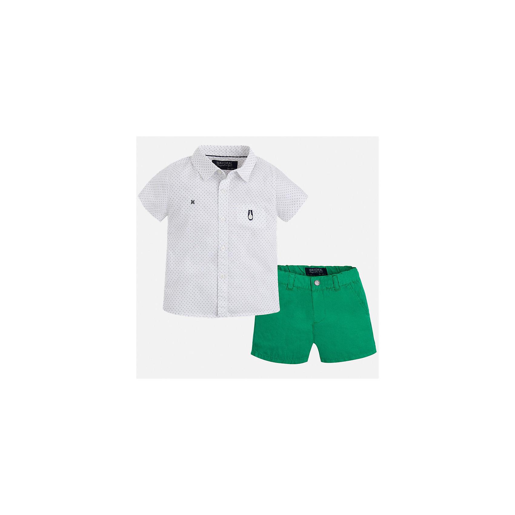 Комплект: шорты и рубашка для мальчика MayoralХарактеристики товара:<br><br>• цвет: белый/зеленый<br>• состав: 100% хлопок<br>• комплектация: футболка, шорты<br>• рубашка декорирована вышивкой<br>• отложной воротник, короткие рукава<br>• шорты однотонные<br>• шлевки<br>• пояс регулируется<br>• страна бренда: Испания<br><br>Красивый качественный комплект для мальчика поможет разнообразить гардероб ребенка и удобно одеться в теплую погоду. Он отлично сочетается с другими предметами. Универсальный цвет позволяет подобрать к вещам верхнюю одежду практически любой расцветки. Интересная отделка модели делает её нарядной и оригинальной. В составе материала - только натуральный хлопок, гипоаллергенный, приятный на ощупь, дышащий.<br><br>Одежда, обувь и аксессуары от испанского бренда Mayoral полюбились детям и взрослым по всему миру. Модели этой марки - стильные и удобные. Для их производства используются только безопасные, качественные материалы и фурнитура. Порадуйте ребенка модными и красивыми вещами от Mayoral! <br><br>Комплект для мальчика от испанского бренда Mayoral (Майорал) можно купить в нашем интернет-магазине.<br><br>Ширина мм: 191<br>Глубина мм: 10<br>Высота мм: 175<br>Вес г: 273<br>Цвет: зеленый<br>Возраст от месяцев: 12<br>Возраст до месяцев: 15<br>Пол: Мужской<br>Возраст: Детский<br>Размер: 80,74,92,86<br>SKU: 5279532