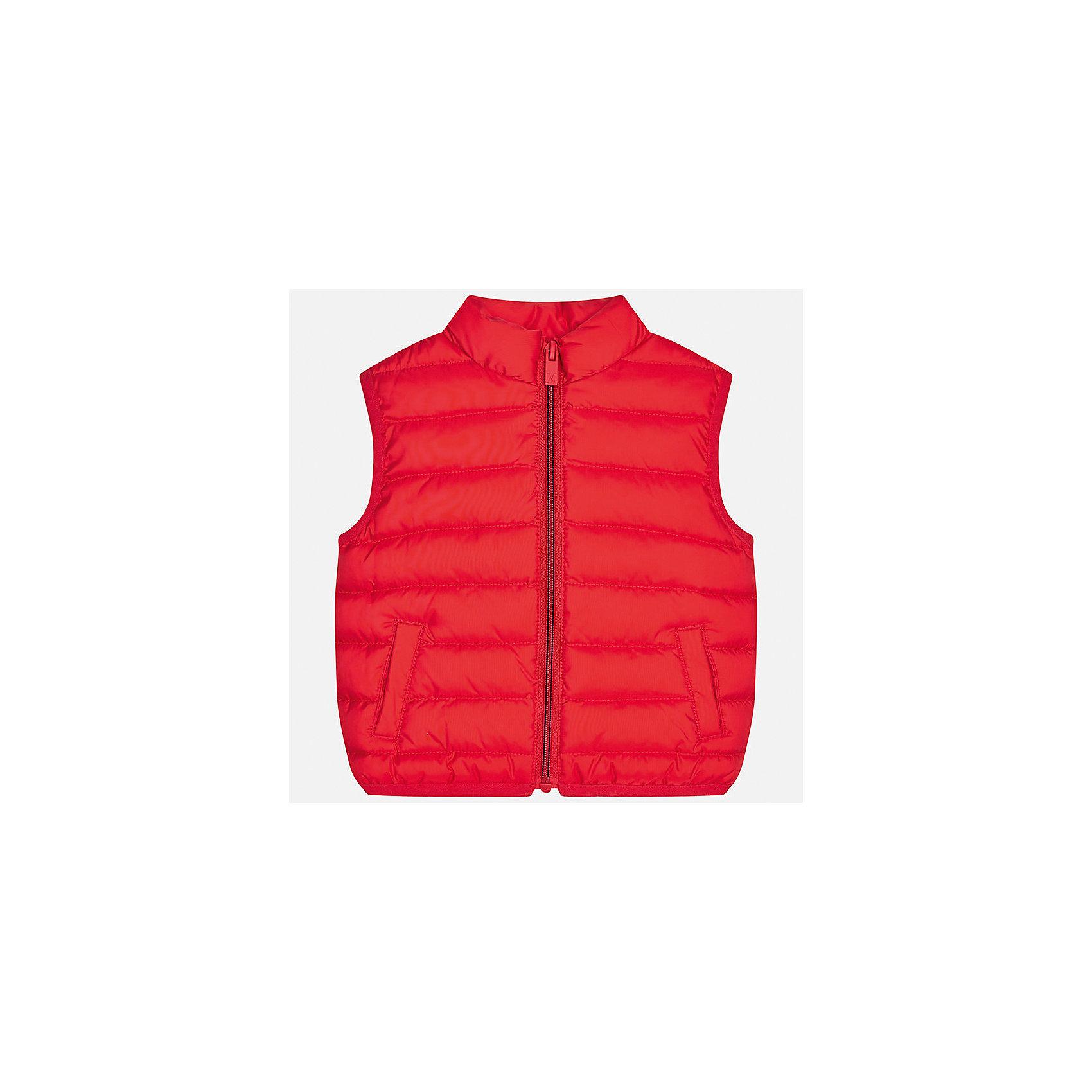 Жилет для мальчика MayoralВерхняя одежда<br>Характеристики товара:<br><br>• цвет: красный<br>• состав: 100% полиэстер<br>• температурный режим: +10°до +20°С<br>• без рукавов<br>• карманы<br>• молния <br>• воротник - стойка<br>• страна бренда: Испания<br><br>Стильный жилет для мальчика поможет разнообразить гардероб ребенка и обеспечить тепло. Он отлично сочетается и с джинсами, и с брюками. Универсальный цвет позволяет подобрать к вещи низ различных расцветок. Модное и практичное изделие.<br><br>Одежда, обувь и аксессуары от испанского бренда Mayoral полюбились детям и взрослым по всему миру. Модели этой марки - стильные и удобные. Для их производства используются только безопасные, качественные материалы и фурнитура. Порадуйте ребенка модными и красивыми вещами от Mayoral! <br><br>Жилет для мальчика от испанского бренда Mayoral (Майорал) можно купить в нашем интернет-магазине.<br><br>Ширина мм: 190<br>Глубина мм: 74<br>Высота мм: 229<br>Вес г: 236<br>Цвет: розовый<br>Возраст от месяцев: 12<br>Возраст до месяцев: 15<br>Пол: Мужской<br>Возраст: Детский<br>Размер: 80,86,92<br>SKU: 5279557