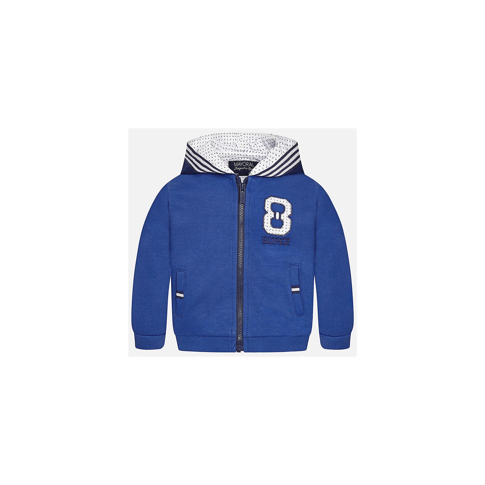 Толстовка для мальчика MayoralХарактеристики товара:<br><br>• цвет: синий<br>• состав: 100% хлопок<br>• рукава длинные <br>• карманы<br>• молния<br>• капюшон<br>• страна бренда: Испания<br><br>Удобная модная куртка для мальчика поможет разнообразить гардероб ребенка и обеспечить тепло. Она отлично сочетается и с джинсами, и с брюками. Универсальный цвет позволяет подобрать к вещи низ различных расцветок. Интересная отделка модели делает её нарядной и оригинальной. В составе материала - только натуральный хлопок, гипоаллергенный, приятный на ощупь, дышащий.<br><br>Одежда, обувь и аксессуары от испанского бренда Mayoral полюбились детям и взрослым по всему миру. Модели этой марки - стильные и удобные. Для их производства используются только безопасные, качественные материалы и фурнитура. Порадуйте ребенка модными и красивыми вещами от Mayoral! <br><br>Куртку для мальчика от испанского бренда Mayoral (Майорал) можно купить в нашем интернет-магазине.<br><br>Ширина мм: 356<br>Глубина мм: 10<br>Высота мм: 245<br>Вес г: 519<br>Цвет: голубой<br>Возраст от месяцев: 12<br>Возраст до месяцев: 15<br>Пол: Мужской<br>Возраст: Детский<br>Размер: 80,86,92<br>SKU: 5279584