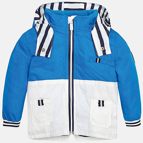 Ветровка для мальчика MayoralПолоска<br>Характеристики товара:<br><br>• цвет: голубой/белый<br>• состав: 100% полиэстер, подкладка - 65% полиэстер, 35% хлопок<br>• манжеты <br>• карманы<br>• молния<br>• капюшон<br>• страна бренда: Испания<br><br>Легкая ветровка для мальчика поможет разнообразить гардероб ребенка и обеспечить тепло в прохладную погоду. Она отлично сочетается и с джинсами, и с брюками. Универсальный цвет позволяет подобрать к вещи низ различных расцветок. Интересная отделка модели делает её нарядной и оригинальной. В составе материала подкладки - натуральный хлопок, гипоаллергенный, приятный на ощупь, дышащий.<br><br>Одежда, обувь и аксессуары от испанского бренда Mayoral полюбились детям и взрослым по всему миру. Модели этой марки - стильные и удобные. Для их производства используются только безопасные, качественные материалы и фурнитура. Порадуйте ребенка модными и красивыми вещами от Mayoral! <br><br>Ветровку для мальчика от испанского бренда Mayoral (Майорал) можно купить в нашем интернет-магазине.<br><br>Ширина мм: 356<br>Глубина мм: 10<br>Высота мм: 245<br>Вес г: 519<br>Цвет: синий<br>Возраст от месяцев: 12<br>Возраст до месяцев: 15<br>Пол: Мужской<br>Возраст: Детский<br>Размер: 80,92,86<br>SKU: 5279604