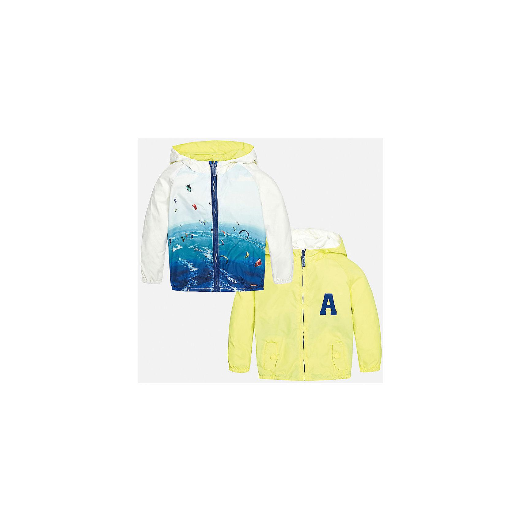 Ветровка двухсторонняя для мальчика MayoralВерхняя одежда<br>Характеристики товара:<br><br>• цвет: желтый/белый/голубой<br>• состав: 100% полиэстер, подкладка - 100% полиэстер<br>• двусторонняя<br>• карманы<br>• молния<br>• капюшон<br>• страна бренда: Испания<br><br>Легкая ветровка для мальчика поможет разнообразить гардероб ребенка и обеспечить тепло в прохладную погоду. Эта ветровка - два в одном: стоит её вывернуть - и появляется еще одна курточка другой расцветки. Она отлично сочетается и с джинсами, и с брюками. Универсальный цвет позволяет подобрать к вещи низ различных расцветок. Интересная отделка модели делает её нарядной и оригинальной. <br><br>Одежда, обувь и аксессуары от испанского бренда Mayoral полюбились детям и взрослым по всему миру. Модели этой марки - стильные и удобные. Для их производства используются только безопасные, качественные материалы и фурнитура. Порадуйте ребенка модными и красивыми вещами от Mayoral! <br><br>Ветровку для мальчика от испанского бренда Mayoral (Майорал) можно купить в нашем интернет-магазине.<br><br>Ширина мм: 356<br>Глубина мм: 10<br>Высота мм: 245<br>Вес г: 519<br>Цвет: желтый<br>Возраст от месяцев: 18<br>Возраст до месяцев: 24<br>Пол: Мужской<br>Возраст: Детский<br>Размер: 92,86,80<br>SKU: 5279624
