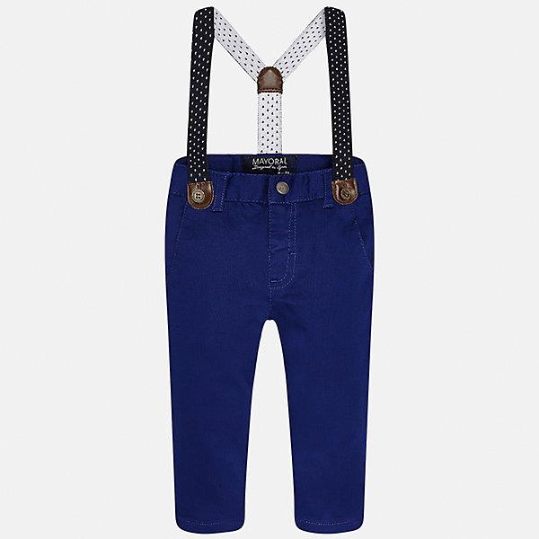 Брюки для мальчика MayoralБрюки<br>Характеристики товара:<br><br>• цвет: синий<br>• состав: 98% хлопок, 2% эластан<br>• подтяжки в комплекте<br>• шлевки<br>• карманы<br>• пояс с регулировкой объема<br>• классический силуэт<br>• страна бренда: Испания<br><br>Модные брюки для мальчика смогут стать базовой вещью в гардеробе ребенка. Они отлично сочетаются с майками, футболками, рубашками и т.д. Универсальный крой и цвет позволяет подобрать к вещи верх разных расцветок. Практичное и стильное изделие! В составе материала - натуральный хлопок, гипоаллергенный, приятный на ощупь, дышащий.<br><br>Одежда, обувь и аксессуары от испанского бренда Mayoral полюбились детям и взрослым по всему миру. Модели этой марки - стильные и удобные. Для их производства используются только безопасные, качественные материалы и фурнитура. Порадуйте ребенка модными и красивыми вещами от Mayoral! <br><br>Брюки для мальчика от испанского бренда Mayoral (Майорал) можно купить в нашем интернет-магазине.<br>Ширина мм: 215; Глубина мм: 88; Высота мм: 191; Вес г: 336; Цвет: черный; Возраст от месяцев: 6; Возраст до месяцев: 9; Пол: Мужской; Возраст: Детский; Размер: 74,80,92,86; SKU: 5279628;