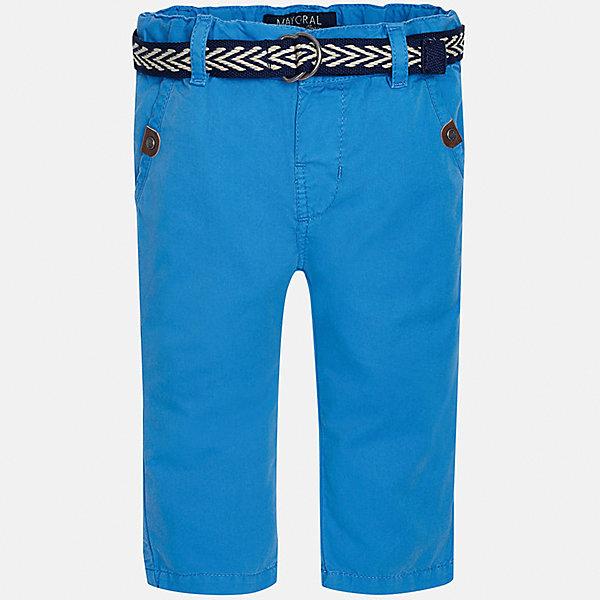 Брюки для мальчика MayoralБрюки<br>Характеристики товара:<br><br>• цвет: голубой<br>• состав: 100% хлопок<br>• ремень в комплекте<br>• шлевки<br>• карманы<br>• пояс с регулировкой объема<br>• классический силуэт<br>• страна бренда: Испания<br><br>Модные брюки для мальчика смогут стать базовой вещью в гардеробе ребенка. Они отлично сочетаются с майками, футболками, рубашками и т.д. Универсальный крой и цвет позволяет подобрать к вещи верх разных расцветок. Практичное и стильное изделие! В составе материала - натуральный хлопок, гипоаллергенный, приятный на ощупь, дышащий.<br><br>Одежда, обувь и аксессуары от испанского бренда Mayoral полюбились детям и взрослым по всему миру. Модели этой марки - стильные и удобные. Для их производства используются только безопасные, качественные материалы и фурнитура. Порадуйте ребенка модными и красивыми вещами от Mayoral! <br><br>Брюки для мальчика от испанского бренда Mayoral (Майорал) можно купить в нашем интернет-магазине.<br>Ширина мм: 215; Глубина мм: 88; Высота мм: 191; Вес г: 336; Цвет: синий; Возраст от месяцев: 18; Возраст до месяцев: 24; Пол: Мужской; Возраст: Детский; Размер: 92,86,80; SKU: 5279633;