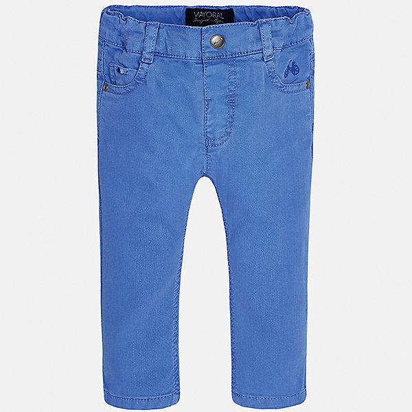 Брюки для мальчика MayoralДжинсы и брючки<br>Характеристики товара:<br><br>• цвет: синий<br>• состав: 98% хлопок, 2% эластан<br>• шлевки<br>• карманы<br>• пояс с регулировкой объема<br>• классический силуэт<br>• страна бренда: Испания<br><br>Модные брюки для мальчика смогут стать базовой вещью в гардеробе ребенка. Они отлично сочетаются с майками, футболками, рубашками и т.д. Универсальный крой и цвет позволяет подобрать к вещи верх разных расцветок. Практичное и стильное изделие! В составе материала - натуральный хлопок, гипоаллергенный, приятный на ощупь, дышащий.<br><br>Одежда, обувь и аксессуары от испанского бренда Mayoral полюбились детям и взрослым по всему миру. Модели этой марки - стильные и удобные. Для их производства используются только безопасные, качественные материалы и фурнитура. Порадуйте ребенка модными и красивыми вещами от Mayoral! <br><br>Брюки для мальчика от испанского бренда Mayoral (Майорал) можно купить в нашем интернет-магазине.<br><br>Ширина мм: 215<br>Глубина мм: 88<br>Высота мм: 191<br>Вес г: 336<br>Цвет: синий<br>Возраст от месяцев: 12<br>Возраст до месяцев: 15<br>Пол: Мужской<br>Возраст: Детский<br>Размер: 80,92,86<br>SKU: 5279641