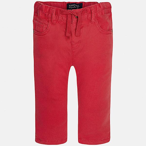 Брюки для мальчика MayoralБрюки<br>Характеристики товара:<br><br>• цвет: красный<br>• состав: 98% хлопок, 2% эластан<br>• на задних карманах пуговицы<br>• прямые штанины<br>• пояс - широкая резинка и шнурок<br>• страна бренда: Испания<br><br>Красивые брюки для мальчика помогут обеспечить ребенку комфорт. Они отлично сочетаются с майками, футболками, куртками и т.д. Универсальный крой и цвет позволяет подобрать к вещи верх разных расцветок. Практичное и стильное изделие! В составе материала - натуральный хлопок, гипоаллергенный, приятный на ощупь, дышащий.<br><br>Одежда, обувь и аксессуары от испанского бренда Mayoral полюбились детям и взрослым по всему миру. Модели этой марки - стильные и удобные. Для их производства используются только безопасные, качественные материалы и фурнитура. Порадуйте ребенка модными и красивыми вещами от Mayoral! <br><br>Брюки для мальчика от испанского бренда Mayoral (Майорал) можно купить в нашем интернет-магазине.<br>Ширина мм: 215; Глубина мм: 88; Высота мм: 191; Вес г: 336; Цвет: красный; Возраст от месяцев: 12; Возраст до месяцев: 15; Пол: Мужской; Возраст: Детский; Размер: 80,92,86; SKU: 5279661;