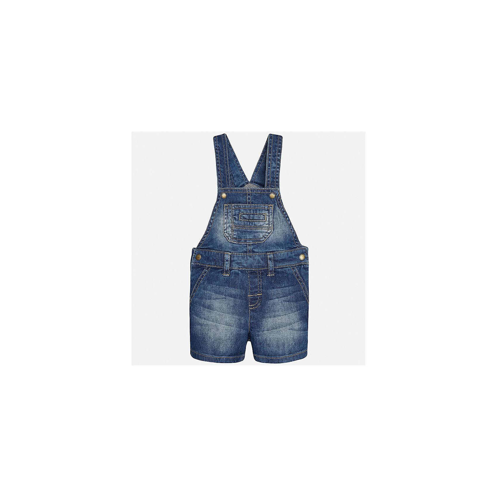 Комбинезон джинсовый для мальчика MayoralХарактеристики товара:<br><br>• цвет: синий<br>• состав: 98% хлопок, 2% эластан, подкладка - 100% полиэстер<br>• лямки<br>• шлевки<br>• карманы<br>• пояс с регулировкой объема<br>• классический силуэт<br>• страна бренда: Испания<br><br>Модный комбинезон для мальчика хорошо впишется в гардероб ребенка. Он отлично сочетается с майками, футболками, рубашками и т.д. Универсальный крой и цвет позволяет подобрать к вещи верх разных расцветок. Практичное и стильное изделие! В составе материала - натуральный хлопок, гипоаллергенный, приятный на ощупь, дышащий.<br><br>Одежда, обувь и аксессуары от испанского бренда Mayoral полюбились детям и взрослым по всему миру. Модели этой марки - стильные и удобные. Для их производства используются только безопасные, качественные материалы и фурнитура. Порадуйте ребенка модными и красивыми вещами от Mayoral! <br><br>Комбинезон для мальчика от испанского бренда Mayoral (Майорал) можно купить в нашем интернет-магазине.<br><br>Ширина мм: 215<br>Глубина мм: 88<br>Высота мм: 191<br>Вес г: 336<br>Цвет: голубой<br>Возраст от месяцев: 12<br>Возраст до месяцев: 15<br>Пол: Мужской<br>Возраст: Детский<br>Размер: 80,92,86<br>SKU: 5279673