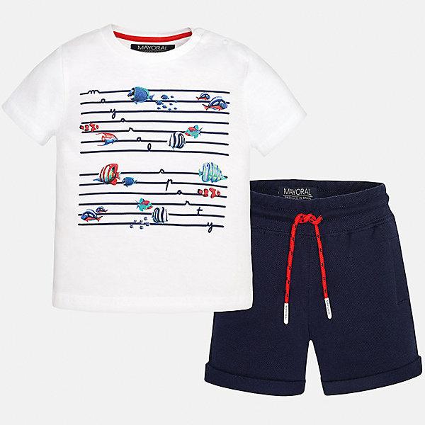 Комплект: футболка и шорты для мальчика MayoralКомплекты<br>Характеристики товара:<br><br>• цвет: белый/синий<br>• состав: футболка - 100% хлопок, шорты - 95% хлопок, 5% эластан<br>• комплектация: футболка, шорты<br>• футболка декорирована принтом<br>• короткие рукава<br>• шорты однотонные<br>• в поясе шнурок<br>• страна бренда: Испания<br><br>Красивый качественный комплект для мальчика поможет разнообразить гардероб ребенка и удобно одеться в теплую погоду. Он отлично сочетается с другими предметами. Универсальный цвет позволяет подобрать к вещам верхнюю одежду практически любой расцветки. Интересная отделка модели делает её нарядной и оригинальной. В составе материала - только натуральный хлопок, гипоаллергенный, приятный на ощупь, дышащий.<br><br>Одежда, обувь и аксессуары от испанского бренда Mayoral полюбились детям и взрослым по всему миру. Модели этой марки - стильные и удобные. Для их производства используются только безопасные, качественные материалы и фурнитура. Порадуйте ребенка модными и красивыми вещами от Mayoral! <br><br>Комплект для мальчика от испанского бренда Mayoral (Майорал) можно купить в нашем интернет-магазине.<br>Ширина мм: 215; Глубина мм: 88; Высота мм: 191; Вес г: 336; Цвет: синий; Возраст от месяцев: 12; Возраст до месяцев: 18; Пол: Мужской; Возраст: Детский; Размер: 86,80,92; SKU: 5279685;