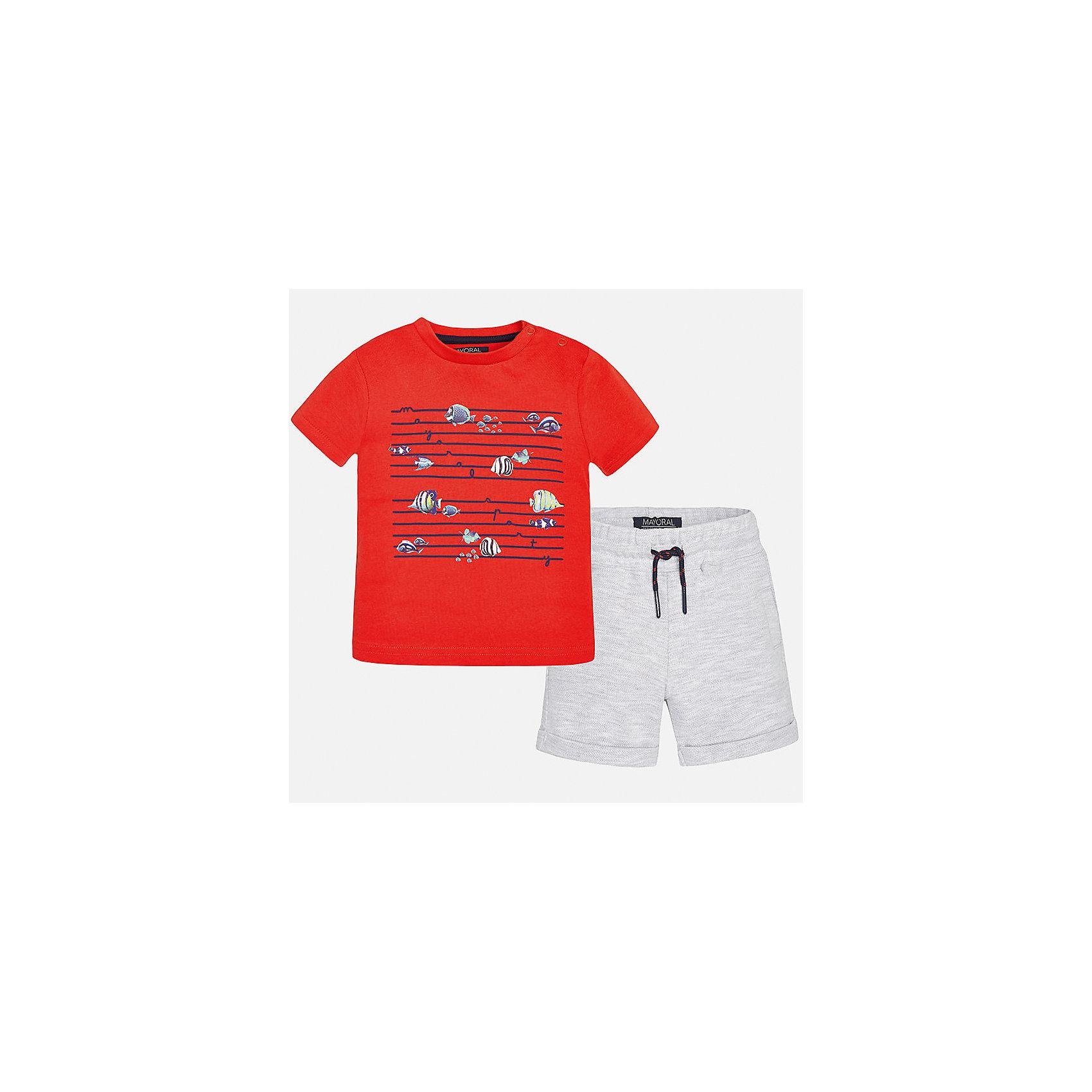 Комплект трикотажный для мальчика MayoralКомплекты<br>Характеристики товара:<br><br>• цвет: красный/серый<br>• состав: 100% хлопок<br>• комплектация: футболка, шорты<br>• футболка декорирована принтом<br>• короткие рукава<br>• шорты однотонные<br>• в поясе шнурок<br>• страна бренда: Испания<br><br>Красивый качественный комплект для мальчика поможет разнообразить гардероб ребенка и удобно одеться в теплую погоду. Он отлично сочетается с другими предметами. Универсальный цвет позволяет подобрать к вещам верхнюю одежду практически любой расцветки. Интересная отделка модели делает её нарядной и оригинальной. В составе материала - только натуральный хлопок, гипоаллергенный, приятный на ощупь, дышащий.<br><br>Одежда, обувь и аксессуары от испанского бренда Mayoral полюбились детям и взрослым по всему миру. Модели этой марки - стильные и удобные. Для их производства используются только безопасные, качественные материалы и фурнитура. Порадуйте ребенка модными и красивыми вещами от Mayoral! <br><br>Комплект для мальчика от испанского бренда Mayoral (Майорал) можно купить в нашем интернет-магазине.<br><br>Ширина мм: 215<br>Глубина мм: 88<br>Высота мм: 191<br>Вес г: 336<br>Цвет: белый<br>Возраст от месяцев: 12<br>Возраст до месяцев: 15<br>Пол: Мужской<br>Возраст: Детский<br>Размер: 80,92,86<br>SKU: 5279689