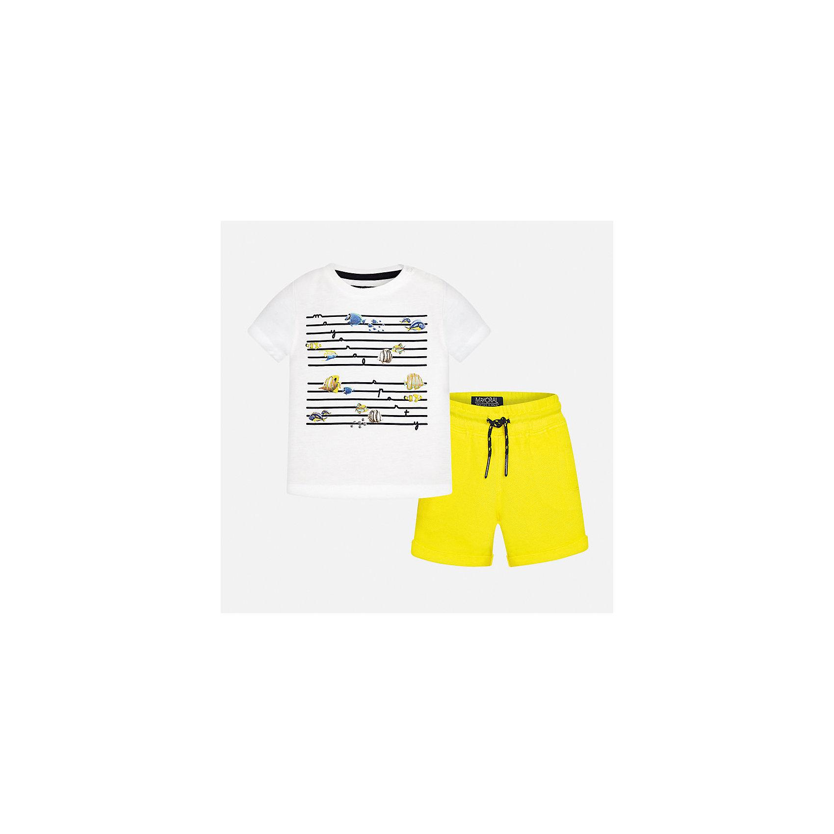 Комплект трикотажный для мальчика MayoralКомплекты<br>Характеристики товара:<br><br>• цвет: белый/желтый<br>• состав: 100% хлопок<br>• комплектация: футболка, шорты<br>• футболка декорирована принтом<br>• короткие рукава<br>• шорты однотонные<br>• в поясе шнурок<br>• страна бренда: Испания<br><br>Красивый качественный комплект для мальчика поможет разнообразить гардероб ребенка и удобно одеться в теплую погоду. Он отлично сочетается с другими предметами. Универсальный цвет позволяет подобрать к вещам верхнюю одежду практически любой расцветки. Интересная отделка модели делает её нарядной и оригинальной. В составе материала - только натуральный хлопок, гипоаллергенный, приятный на ощупь, дышащий.<br><br>Одежда, обувь и аксессуары от испанского бренда Mayoral полюбились детям и взрослым по всему миру. Модели этой марки - стильные и удобные. Для их производства используются только безопасные, качественные материалы и фурнитура. Порадуйте ребенка модными и красивыми вещами от Mayoral! <br><br>Комплект для мальчика от испанского бренда Mayoral (Майорал) можно купить в нашем интернет-магазине.<br><br>Ширина мм: 215<br>Глубина мм: 88<br>Высота мм: 191<br>Вес г: 336<br>Цвет: желтый<br>Возраст от месяцев: 12<br>Возраст до месяцев: 18<br>Пол: Мужской<br>Возраст: Детский<br>Размер: 80,92,86<br>SKU: 5279693
