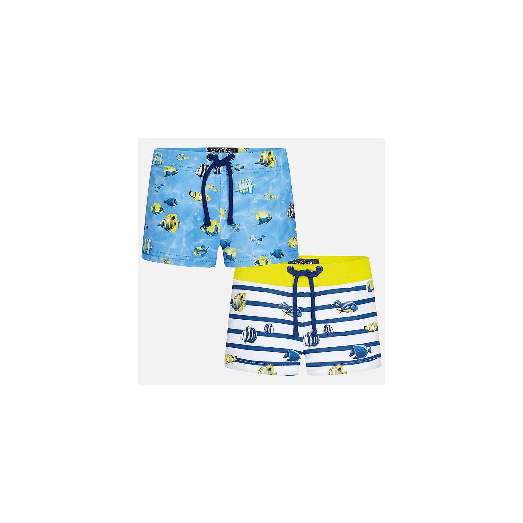 Плавки-шорты (2 шт.) для мальчика MayoralХарактеристики товара:<br><br>• цвет: голубой/белый<br>• состав: верх - 85% полиэстер, 15% эластан, подкладка - 100% полиэстер<br>• украшены принтом<br>• комплектация: 2 шт<br>• с подкладкой<br>• быстросохнущий материал<br>• страна бренда: Испания<br><br>Одежда для купания должна быть удобной! Этот комплект плавок для мальчика не только хорошо сидит на ребенке, не стесняя движения и не натирая, он отлично смотрится! Плавки сшиты из плотной ткани, но она очень быстро высыхает. Интересная расцветка модели делает её нарядной и оригинальной. <br><br>Одежда, обувь и аксессуары от испанского бренда Mayoral полюбились детям и взрослым по всему миру. Модели этой марки - стильные и удобные. Для их производства используются только безопасные, качественные материалы и фурнитура. Порадуйте ребенка модными и красивыми вещами от Mayoral! <br><br>Плавки для мальчика от испанского бренда Mayoral (Майорал) можно купить в нашем интернет-магазине.<br><br>Ширина мм: 191<br>Глубина мм: 10<br>Высота мм: 175<br>Вес г: 273<br>Цвет: желтый<br>Возраст от месяцев: 18<br>Возраст до месяцев: 24<br>Пол: Мужской<br>Возраст: Детский<br>Размер: 92,80,86<br>SKU: 5279713