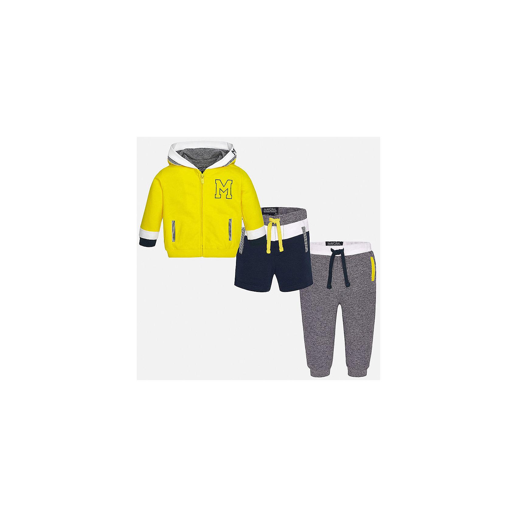 Спортивный костюм для мальчика MayoralХарактеристики товара:<br><br>• цвет: желтый/серый/синий<br>• состав: толстовка - 58% хлопок, 39% полиэстер, 3% эластан; брюки и шорты: 60% хлопок, 40% полиэстер<br>• комплектация: курточка, штаны, шорты<br>• куртка декорирована вышивкой<br>• карманы<br>• капюшон<br>• штаны, шорты - пояс на шнурке<br>• манжеты на штанах <br>• страна бренда: Испания<br><br>Стильный качественный спортивный костюм для мальчика поможет разнообразить гардероб ребенка и удобно одеться. Курточка, шорты и штаны отлично сочетаются с другими предметами. Универсальный цвет позволяет подобрать к вещам верхнюю одежду практически любой расцветки. Интересная отделка модели делает её нарядной и оригинальной. В составе материала - натуральный хлопок, гипоаллергенный, приятный на ощупь, дышащий.<br><br>Одежда, обувь и аксессуары от испанского бренда Mayoral полюбились детям и взрослым по всему миру. Модели этой марки - стильные и удобные. Для их производства используются только безопасные, качественные материалы и фурнитура. Порадуйте ребенка модными и красивыми вещами от Mayoral! <br><br>Спортивный костюм для мальчика от испанского бренда Mayoral (Майорал) можно купить в нашем интернет-магазине.<br><br>Ширина мм: 247<br>Глубина мм: 16<br>Высота мм: 140<br>Вес г: 225<br>Цвет: желтый<br>Возраст от месяцев: 12<br>Возраст до месяцев: 15<br>Пол: Мужской<br>Возраст: Детский<br>Размер: 80,86,92<br>SKU: 5279725