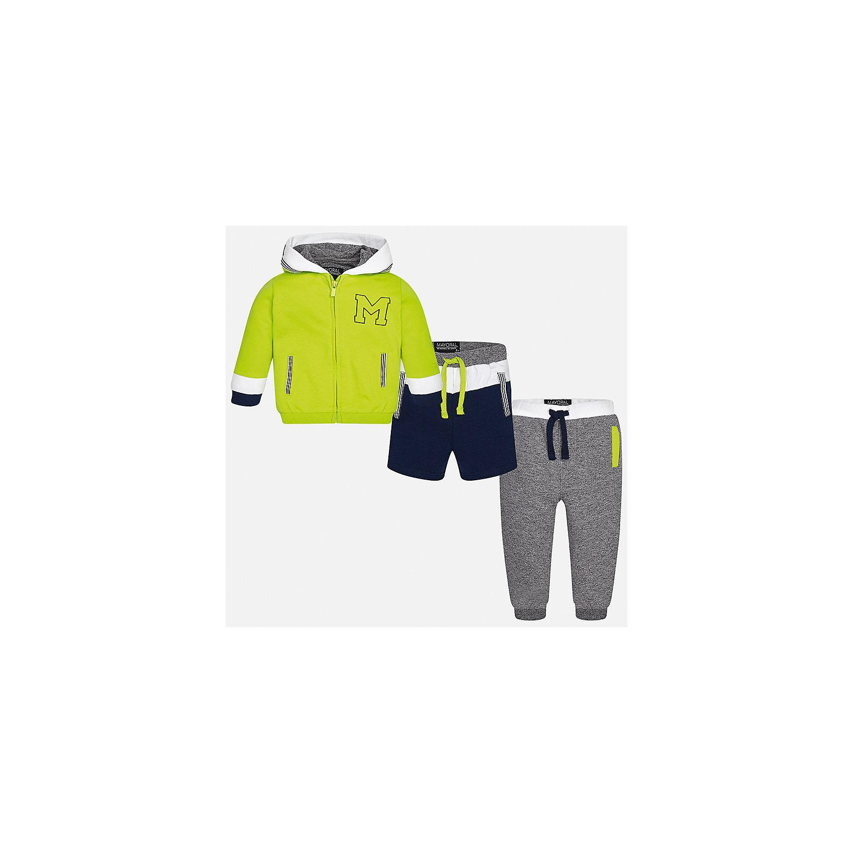 Спортивный костюм для мальчика MayoralКомплекты<br>Характеристики товара:<br><br>• цвет: салатовый/серый/синий<br>• состав: 58% хлопок, 39% полиэстер, 3% эластан<br>• комплектация: курточка, штаны, шорты<br>• куртка декорирована вышивкой<br>• карманы<br>• капюшон<br>• штаны, шорты - пояс на шнурке<br>• манжеты на штанах <br>• страна бренда: Испания<br><br>Стильный качественный спортивный костюм для мальчика поможет разнообразить гардероб ребенка и удобно одеться. Курточка, шорты и штаны отлично сочетаются с другими предметами. Универсальный цвет позволяет подобрать к вещам верхнюю одежду практически любой расцветки. Интересная отделка модели делает её нарядной и оригинальной. В составе материала - натуральный хлопок, гипоаллергенный, приятный на ощупь, дышащий.<br><br>Одежда, обувь и аксессуары от испанского бренда Mayoral полюбились детям и взрослым по всему миру. Модели этой марки - стильные и удобные. Для их производства используются только безопасные, качественные материалы и фурнитура. Порадуйте ребенка модными и красивыми вещами от Mayoral! <br><br>Спортивный костюм для мальчика от испанского бренда Mayoral (Майорал) можно купить в нашем интернет-магазине.<br><br>Ширина мм: 247<br>Глубина мм: 16<br>Высота мм: 140<br>Вес г: 225<br>Цвет: зеленый<br>Возраст от месяцев: 18<br>Возраст до месяцев: 24<br>Пол: Мужской<br>Возраст: Детский<br>Размер: 92,80,86<br>SKU: 5279729