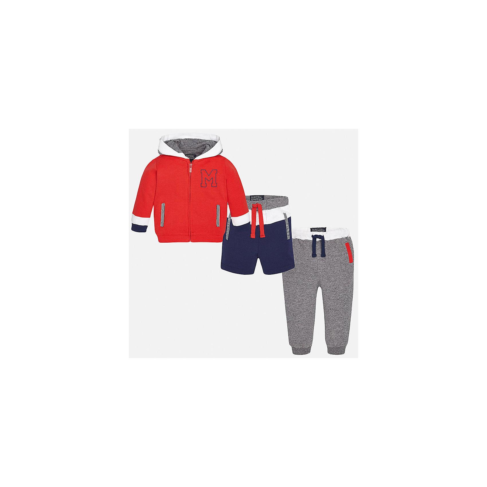 Спортивный костюм для мальчика MayoralКомплекты<br>Характеристики товара:<br><br>• цвет: красный/серый/синий<br>• состав: 58% хлопок, 39% полиэстер, 3% эластан<br>• комплектация: курточка, штаны, шорты<br>• куртка декорирована вышивкой<br>• карманы<br>• капюшон<br>• штаны, шорты - пояс на шнурке<br>• манжеты на штанах <br>• страна бренда: Испания<br><br>Стильный качественный спортивный костюм для мальчика поможет разнообразить гардероб ребенка и удобно одеться. Курточка, шорты и штаны отлично сочетаются с другими предметами. Универсальный цвет позволяет подобрать к вещам верхнюю одежду практически любой расцветки. Интересная отделка модели делает её нарядной и оригинальной. В составе материала - натуральный хлопок, гипоаллергенный, приятный на ощупь, дышащий.<br><br>Одежда, обувь и аксессуары от испанского бренда Mayoral полюбились детям и взрослым по всему миру. Модели этой марки - стильные и удобные. Для их производства используются только безопасные, качественные материалы и фурнитура. Порадуйте ребенка модными и красивыми вещами от Mayoral! <br><br>Спортивный костюм для мальчика от испанского бренда Mayoral (Майорал) можно купить в нашем интернет-магазине.<br><br>Ширина мм: 247<br>Глубина мм: 16<br>Высота мм: 140<br>Вес г: 225<br>Цвет: розовый<br>Возраст от месяцев: 12<br>Возраст до месяцев: 15<br>Пол: Мужской<br>Возраст: Детский<br>Размер: 80,92,86<br>SKU: 5279733