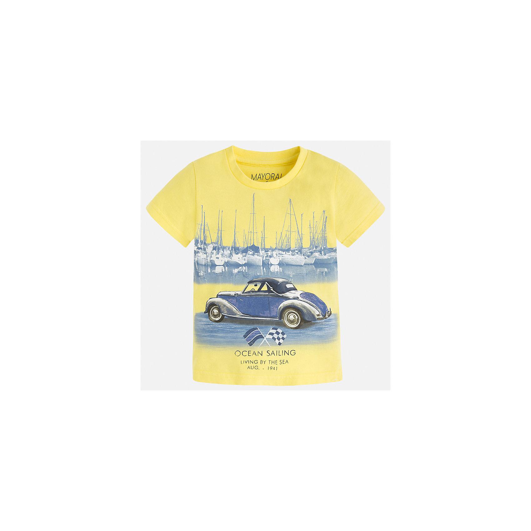Футболка для мальчика MayoralХарактеристики товара:<br><br>• цвет: желтый<br>• состав: 100% хлопок<br>• круглый горловой вырез<br>• принт впереди<br>• короткие рукава<br>• отделка горловины<br>• страна бренда: Испания<br><br>Стильная футболка с принтом поможет разнообразить гардероб мальчика. Она отлично сочетается с брюками, шортами, джинсами и т.д. Универсальный крой и цвет позволяет подобрать к вещи низ разных расцветок. Практичное и стильное изделие! В составе материала - только натуральный хлопок, гипоаллергенный, приятный на ощупь, дышащий.<br><br>Одежда, обувь и аксессуары от испанского бренда Mayoral полюбились детям и взрослым по всему миру. Модели этой марки - стильные и удобные. Для их производства используются только безопасные, качественные материалы и фурнитура. Порадуйте ребенка модными и красивыми вещами от Mayoral! <br><br>Футболку для мальчика от испанского бренда Mayoral (Майорал) можно купить в нашем интернет-магазине.<br><br>Ширина мм: 199<br>Глубина мм: 10<br>Высота мм: 161<br>Вес г: 151<br>Цвет: желтый<br>Возраст от месяцев: 18<br>Возраст до месяцев: 24<br>Пол: Мужской<br>Возраст: Детский<br>Размер: 92,134,128,122,116,110,104,98<br>SKU: 5279755