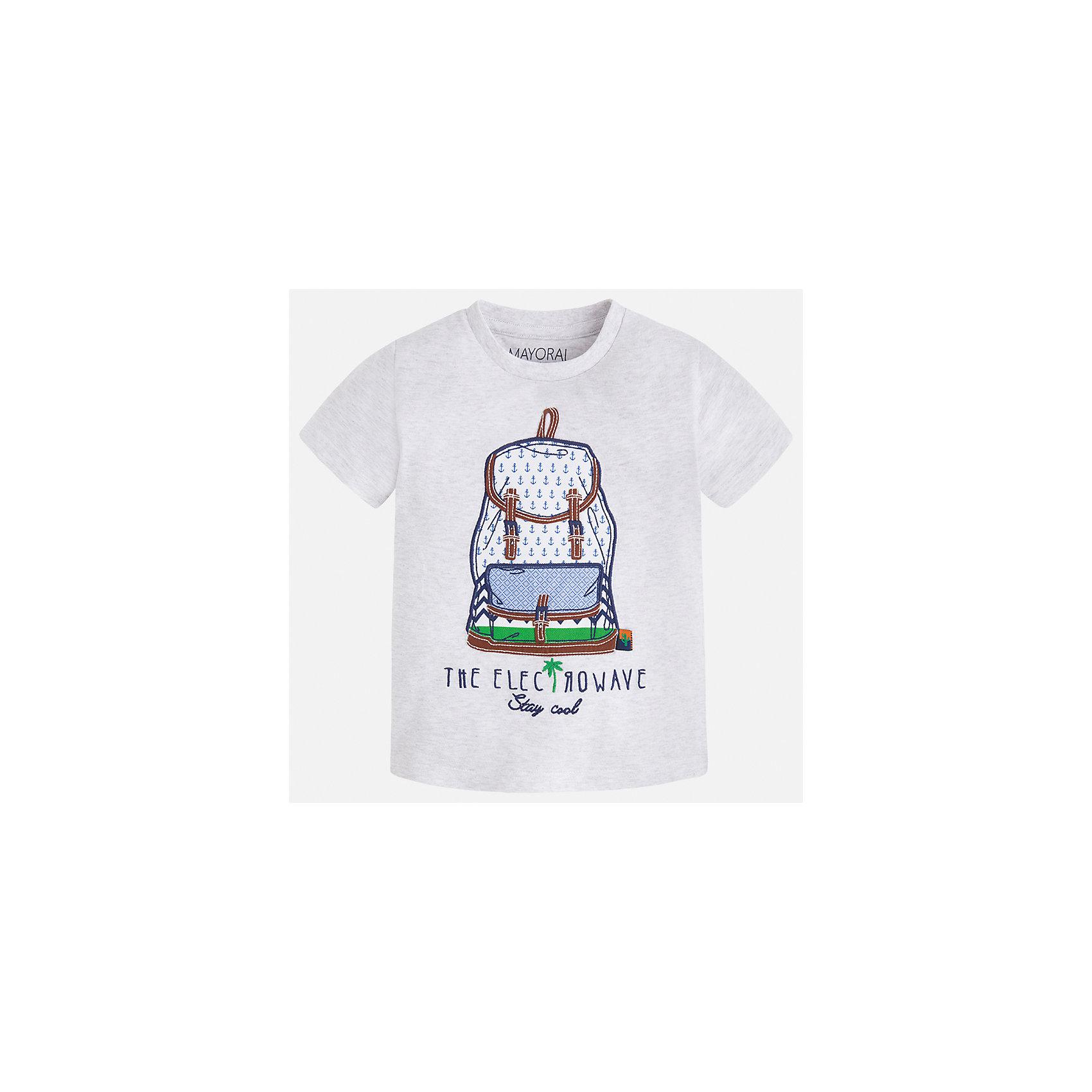 Футболка для мальчика MayoralФутболки, поло и топы<br>Характеристики товара:<br><br>• цвет: серый<br>• состав: 100% хлопок<br>• круглый горловой вырез<br>• принт впереди<br>• короткие рукава<br>• отделка горловины<br>• страна бренда: Испания<br><br>Модная удобная футболка с принтом поможет разнообразить гардероб мальчика. Она отлично сочетается с брюками, шортами, джинсами и т.д. Универсальный крой и цвет позволяет подобрать к вещи низ разных расцветок. Практичное и стильное изделие! В составе материала - только натуральный хлопок, гипоаллергенный, приятный на ощупь, дышащий.<br><br>Одежда, обувь и аксессуары от испанского бренда Mayoral полюбились детям и взрослым по всему миру. Модели этой марки - стильные и удобные. Для их производства используются только безопасные, качественные материалы и фурнитура. Порадуйте ребенка модными и красивыми вещами от Mayoral! <br><br>Футболку для мальчика от испанского бренда Mayoral (Майорал) можно купить в нашем интернет-магазине.<br><br>Ширина мм: 199<br>Глубина мм: 10<br>Высота мм: 161<br>Вес г: 151<br>Цвет: серый<br>Возраст от месяцев: 18<br>Возраст до месяцев: 24<br>Пол: Мужской<br>Возраст: Детский<br>Размер: 110,98,92,104,116,122,128,134<br>SKU: 5279782