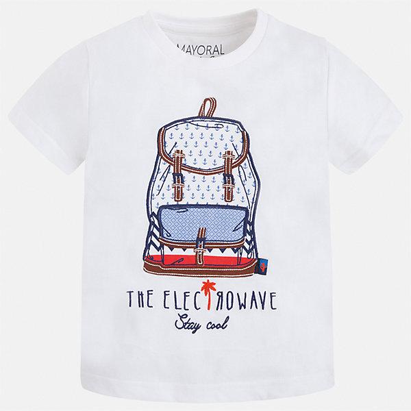 Футболка для мальчика MayoralФутболки, поло и топы<br>Характеристики товара:<br><br>• цвет: белый<br>• состав: 100% хлопок<br>• круглый горловой вырез<br>• принт впереди<br>• короткие рукава<br>• отделка горловины<br>• страна бренда: Испания<br><br>Модная удобная футболка с принтом поможет разнообразить гардероб мальчика. Она отлично сочетается с брюками, шортами, джинсами и т.д. Универсальный крой и цвет позволяет подобрать к вещи низ разных расцветок. Практичное и стильное изделие! В составе материала - только натуральный хлопок, гипоаллергенный, приятный на ощупь, дышащий.<br><br>Одежда, обувь и аксессуары от испанского бренда Mayoral полюбились детям и взрослым по всему миру. Модели этой марки - стильные и удобные. Для их производства используются только безопасные, качественные материалы и фурнитура. Порадуйте ребенка модными и красивыми вещами от Mayoral! <br><br>Футболку для мальчика от испанского бренда Mayoral (Майорал) можно купить в нашем интернет-магазине.<br><br>Ширина мм: 199<br>Глубина мм: 10<br>Высота мм: 161<br>Вес г: 151<br>Цвет: белый<br>Возраст от месяцев: 60<br>Возраст до месяцев: 72<br>Пол: Мужской<br>Возраст: Детский<br>Размер: 116,104,122,128,134,92,98,110<br>SKU: 5279800