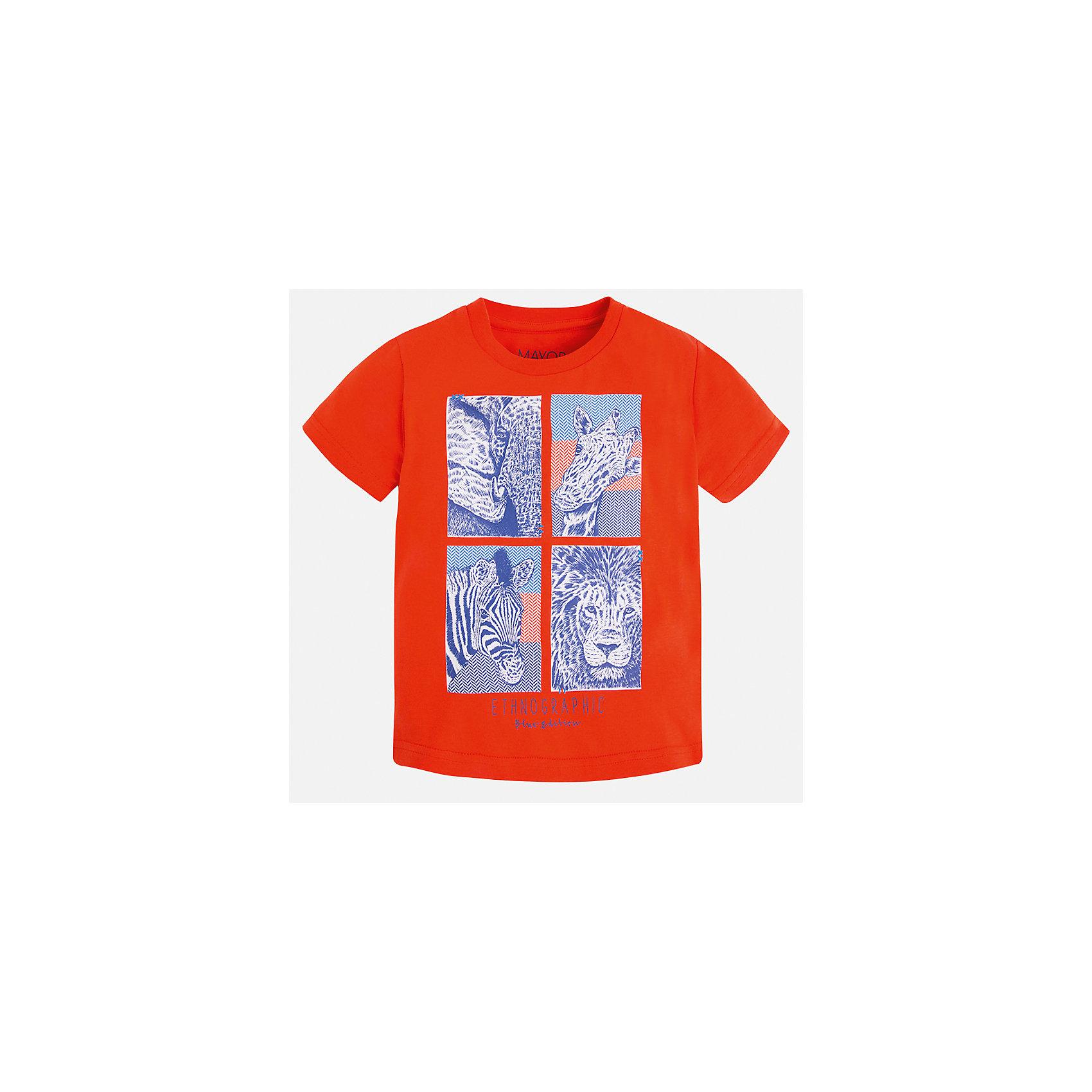 Футболка для мальчика MayoralФутболки, поло и топы<br>Характеристики товара:<br><br>• цвет: красный<br>• состав: 100% хлопок<br>• круглый горловой вырез<br>• декорирована принтом<br>• короткие рукава<br>• отделка горловины<br>• страна бренда: Испания<br><br>Модная удобная футболка с принтом поможет разнообразить гардероб мальчика. Она отлично сочетается с брюками, шортами, джинсами. Универсальный крой и цвет позволяет подобрать к вещи низ разных расцветок. Практичное и стильное изделие! Хорошо смотрится и комфортно сидит на детях. В составе материала - только натуральный хлопок, гипоаллергенный, приятный на ощупь, дышащий. <br><br>Одежда, обувь и аксессуары от испанского бренда Mayoral полюбились детям и взрослым по всему миру. Модели этой марки - стильные и удобные. Для их производства используются только безопасные, качественные материалы и фурнитура. Порадуйте ребенка модными и красивыми вещами от Mayoral! <br><br>Футболку для мальчика от испанского бренда Mayoral (Майорал) можно купить в нашем интернет-магазине.<br><br>Ширина мм: 199<br>Глубина мм: 10<br>Высота мм: 161<br>Вес г: 151<br>Цвет: красный<br>Возраст от месяцев: 48<br>Возраст до месяцев: 60<br>Пол: Мужской<br>Возраст: Детский<br>Размер: 110,128,122,116,104,98,92,134<br>SKU: 5279881