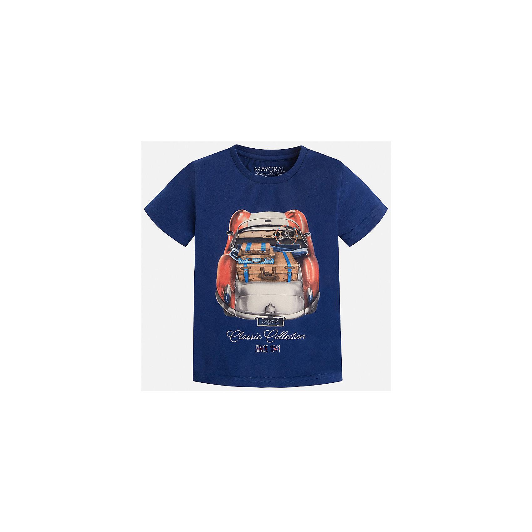 Футболка для мальчика MayoralФутболки, поло и топы<br>Характеристики товара:<br><br>• цвет: синий<br>• состав: 100% хлопок<br>• круглый горловой вырез<br>• декорирована принтом<br>• короткие рукава<br>• отделка горловины<br>• страна бренда: Испания<br><br>Модная удобная футболка с принтом поможет разнообразить гардероб мальчика. Она отлично сочетается с брюками, шортами, джинсами. Универсальный крой и цвет позволяет подобрать к вещи низ разных расцветок. Практичное и стильное изделие! Хорошо смотрится и комфортно сидит на детях. В составе материала - только натуральный хлопок, гипоаллергенный, приятный на ощупь, дышащий. <br><br>Одежда, обувь и аксессуары от испанского бренда Mayoral полюбились детям и взрослым по всему миру. Модели этой марки - стильные и удобные. Для их производства используются только безопасные, качественные материалы и фурнитура. Порадуйте ребенка модными и красивыми вещами от Mayoral! <br><br>Футболку для мальчика от испанского бренда Mayoral (Майорал) можно купить в нашем интернет-магазине.<br><br>Ширина мм: 199<br>Глубина мм: 10<br>Высота мм: 161<br>Вес г: 151<br>Цвет: синий<br>Возраст от месяцев: 48<br>Возраст до месяцев: 60<br>Пол: Мужской<br>Возраст: Детский<br>Размер: 110,116,128,122,134,104,98,92<br>SKU: 5279899