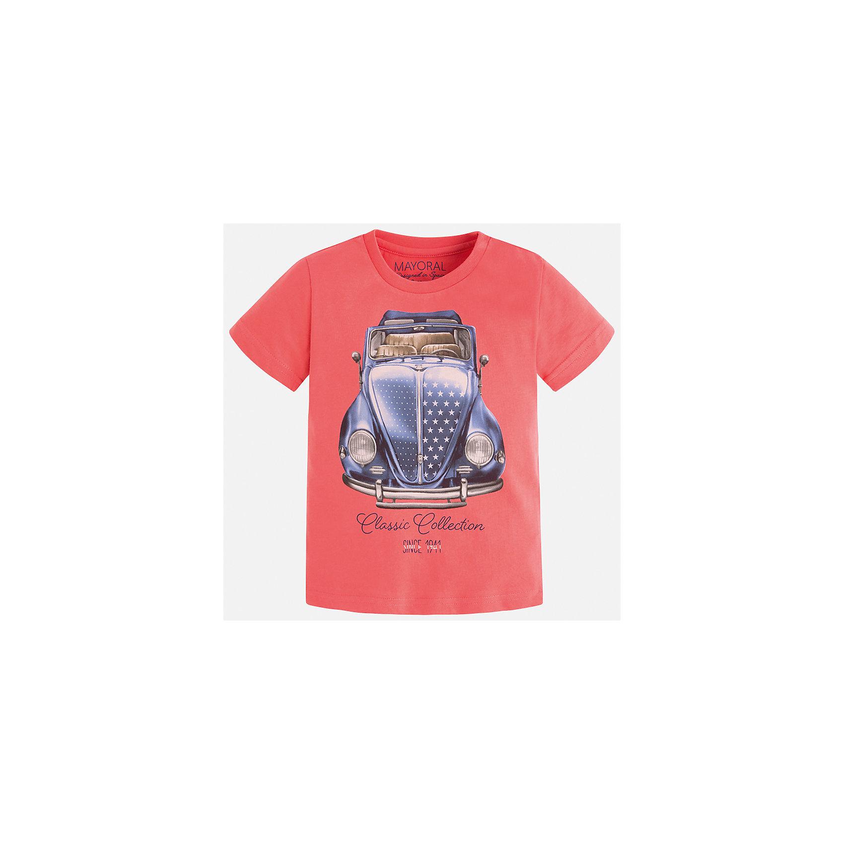 Футболка для мальчика MayoralФутболки, поло и топы<br>Характеристики товара:<br><br>• цвет: красный<br>• состав: 100% хлопок<br>• круглый горловой вырез<br>• декорирована принтом<br>• короткие рукава<br>• отделка горловины<br>• страна бренда: Испания<br><br>Модная удобная футболка с принтом поможет разнообразить гардероб мальчика. Она отлично сочетается с брюками, шортами, джинсами. Универсальный крой и цвет позволяет подобрать к вещи низ разных расцветок. Практичное и стильное изделие! Хорошо смотрится и комфортно сидит на детях. В составе материала - только натуральный хлопок, гипоаллергенный, приятный на ощупь, дышащий. <br><br>Одежда, обувь и аксессуары от испанского бренда Mayoral полюбились детям и взрослым по всему миру. Модели этой марки - стильные и удобные. Для их производства используются только безопасные, качественные материалы и фурнитура. Порадуйте ребенка модными и красивыми вещами от Mayoral! <br><br>Футболку для мальчика от испанского бренда Mayoral (Майорал) можно купить в нашем интернет-магазине.<br><br>Ширина мм: 199<br>Глубина мм: 10<br>Высота мм: 161<br>Вес г: 151<br>Цвет: розовый<br>Возраст от месяцев: 84<br>Возраст до месяцев: 96<br>Пол: Мужской<br>Возраст: Детский<br>Размер: 128,116,98,92,122,110,104,134<br>SKU: 5279917