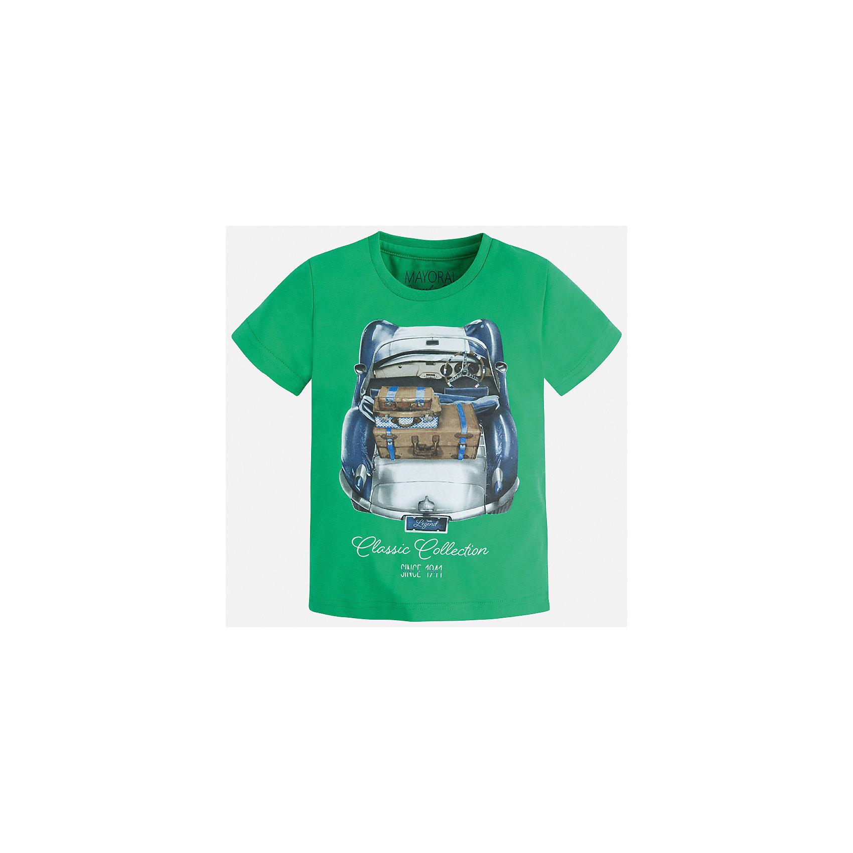 Футболка для мальчика MayoralФутболки, поло и топы<br>Характеристики товара:<br><br>• цвет: зеленый<br>• состав: 100% хлопок<br>• круглый горловой вырез<br>• декорирована принтом<br>• короткие рукава<br>• отделка горловины<br>• страна бренда: Испания<br><br>Модная удобная футболка с принтом поможет разнообразить гардероб мальчика. Она отлично сочетается с брюками, шортами, джинсами. Универсальный крой и цвет позволяет подобрать к вещи низ разных расцветок. Практичное и стильное изделие! Хорошо смотрится и комфортно сидит на детях. В составе материала - только натуральный хлопок, гипоаллергенный, приятный на ощупь, дышащий. <br><br>Одежда, обувь и аксессуары от испанского бренда Mayoral полюбились детям и взрослым по всему миру. Модели этой марки - стильные и удобные. Для их производства используются только безопасные, качественные материалы и фурнитура. Порадуйте ребенка модными и красивыми вещами от Mayoral! <br><br>Футболку для мальчика от испанского бренда Mayoral (Майорал) можно купить в нашем интернет-магазине.<br><br>Ширина мм: 199<br>Глубина мм: 10<br>Высота мм: 161<br>Вес г: 151<br>Цвет: зеленый<br>Возраст от месяцев: 18<br>Возраст до месяцев: 24<br>Пол: Мужской<br>Возраст: Детский<br>Размер: 92,116,98,134,128,122,110,104<br>SKU: 5279926