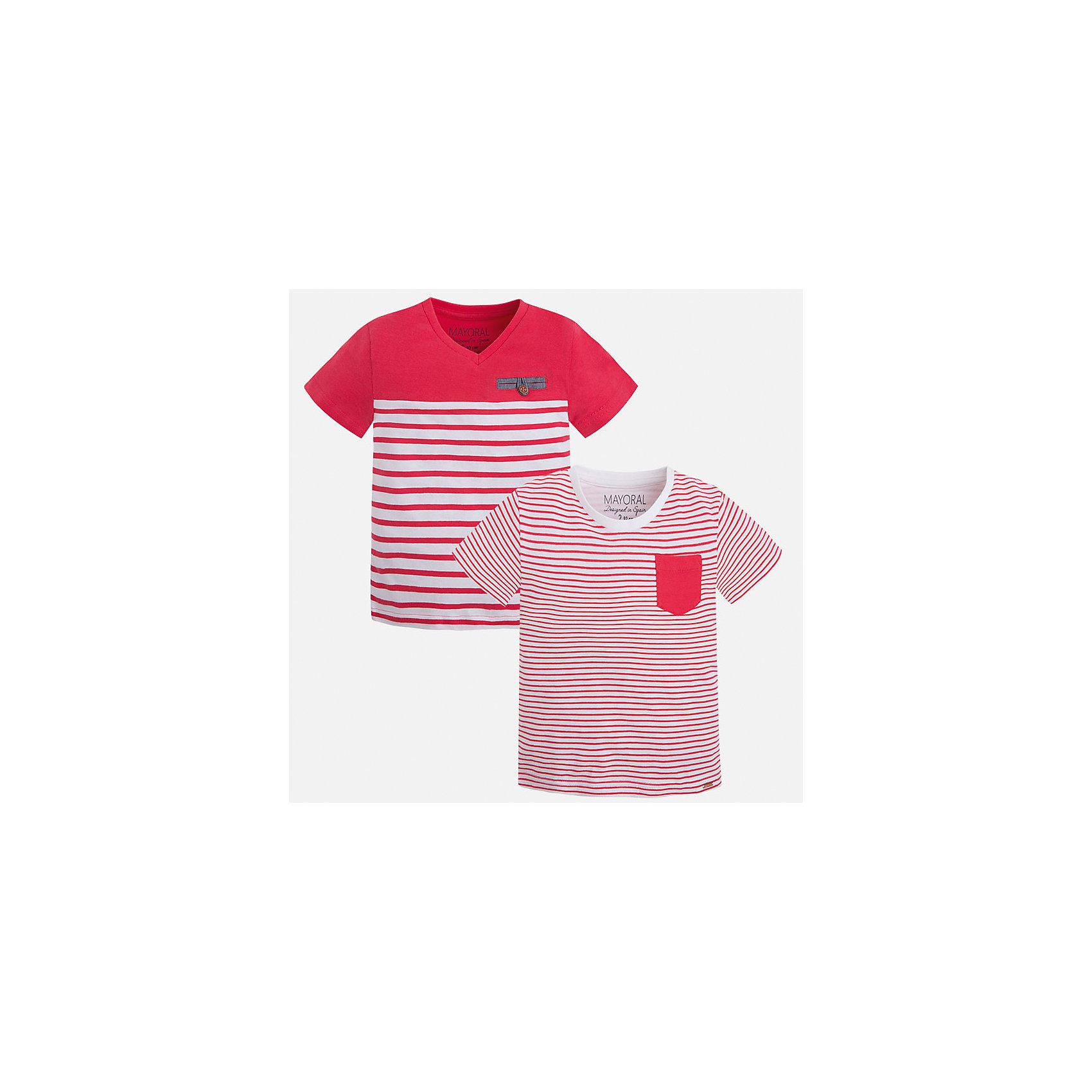Футболка (2 шт.) для мальчика MayoralХарактеристики товара:<br><br>• цвет: красный/белый<br>• состав: 100% хлопок<br>• комплектация: 2 шт<br>• декорированы кармашком на груди<br>• короткие рукава<br>• отделка горловины<br>• страна бренда: Испания<br><br>Модная удобная футболка с принтом поможет разнообразить гардероб мальчика. Она отлично сочетается с брюками, шортами, джинсами. Универсальный крой и цвет позволяет подобрать к вещи низ разных расцветок. Практичное и стильное изделие! Хорошо смотрится и комфортно сидит на детях. В составе материала - только натуральный хлопок, гипоаллергенный, приятный на ощупь, дышащий. <br><br>Одежда, обувь и аксессуары от испанского бренда Mayoral полюбились детям и взрослым по всему миру. Модели этой марки - стильные и удобные. Для их производства используются только безопасные, качественные материалы и фурнитура. Порадуйте ребенка модными и красивыми вещами от Mayoral! <br><br>Футболку (2 шт.) для мальчика от испанского бренда Mayoral (Майорал) можно купить в нашем интернет-магазине.<br><br>Ширина мм: 199<br>Глубина мм: 10<br>Высота мм: 161<br>Вес г: 151<br>Цвет: красный<br>Возраст от месяцев: 84<br>Возраст до месяцев: 96<br>Пол: Мужской<br>Возраст: Детский<br>Размер: 128,134,116,110,104,98,92,122<br>SKU: 5279944