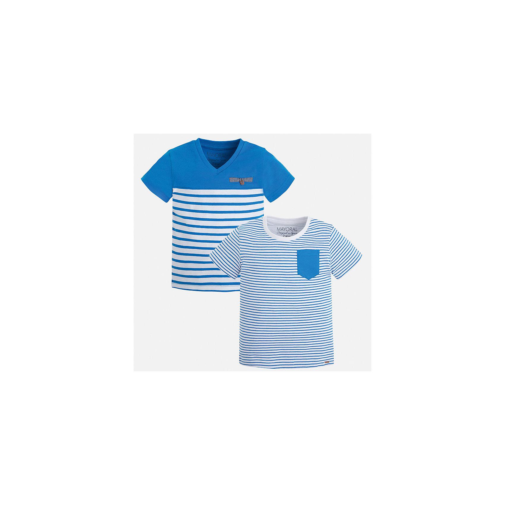 Футболка (2 шт.) для мальчика MayoralХарактеристики товара:<br><br>• цвет: голубой/белый<br>• состав: 100% хлопок<br>• комплектация: 2 шт<br>• декорированы кармашком на груди<br>• короткие рукава<br>• отделка горловины<br>• страна бренда: Испания<br><br>Модная удобная футболка с принтом поможет разнообразить гардероб мальчика. Она отлично сочетается с брюками, шортами, джинсами. Универсальный крой и цвет позволяет подобрать к вещи низ разных расцветок. Практичное и стильное изделие! Хорошо смотрится и комфортно сидит на детях. В составе материала - только натуральный хлопок, гипоаллергенный, приятный на ощупь, дышащий. <br><br>Одежда, обувь и аксессуары от испанского бренда Mayoral полюбились детям и взрослым по всему миру. Модели этой марки - стильные и удобные. Для их производства используются только безопасные, качественные материалы и фурнитура. Порадуйте ребенка модными и красивыми вещами от Mayoral! <br><br>Футболку (2 шт.) для мальчика от испанского бренда Mayoral (Майорал) можно купить в нашем интернет-магазине.<br><br>Ширина мм: 199<br>Глубина мм: 10<br>Высота мм: 161<br>Вес г: 151<br>Цвет: синий<br>Возраст от месяцев: 18<br>Возраст до месяцев: 24<br>Пол: Мужской<br>Возраст: Детский<br>Размер: 92,122,116,104,98,92,110,134,128<br>SKU: 5279953
