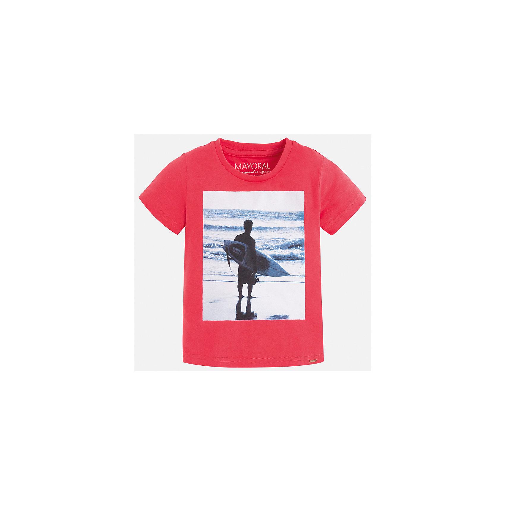 Футболка для мальчика MayoralЛови волну<br>Характеристики товара:<br><br>• цвет: розовый<br>• состав: 100% хлопок<br>• круглый горловой вырез<br>• декорирована принтом<br>• короткие рукава<br>• отделка горловины<br>• страна бренда: Испания<br><br>Стильная удобная футболка с принтом поможет разнообразить гардероб мальчика. Она отлично сочетается с брюками, шортами, джинсами. Универсальный крой и цвет позволяет подобрать к вещи низ разных расцветок. Практичное и стильное изделие! Хорошо смотрится и комфортно сидит на детях. В составе материала - только натуральный хлопок, гипоаллергенный, приятный на ощупь, дышащий. <br><br>Одежда, обувь и аксессуары от испанского бренда Mayoral полюбились детям и взрослым по всему миру. Модели этой марки - стильные и удобные. Для их производства используются только безопасные, качественные материалы и фурнитура. Порадуйте ребенка модными и красивыми вещами от Mayoral! <br><br>Футболку для мальчика от испанского бренда Mayoral (Майорал) можно купить в нашем интернет-магазине.<br><br>Ширина мм: 199<br>Глубина мм: 10<br>Высота мм: 161<br>Вес г: 151<br>Цвет: красный<br>Возраст от месяцев: 18<br>Возраст до месяцев: 24<br>Пол: Мужской<br>Возраст: Детский<br>Размер: 92,98,134,128,122,116,110,104<br>SKU: 5279981
