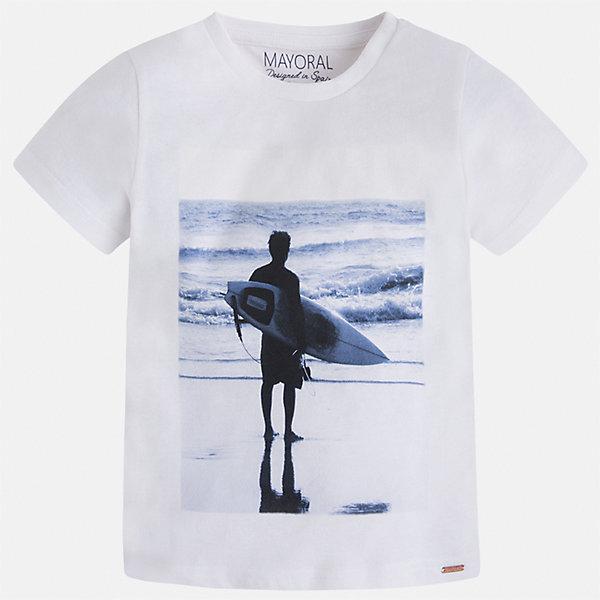 Футболка для мальчика MayoralФутболки, поло и топы<br>Характеристики товара:<br><br>• цвет: белый<br>• состав: 100% хлопок<br>• круглый горловой вырез<br>• декорирована принтом<br>• короткие рукава<br>• отделка горловины<br>• страна бренда: Испания<br><br>Стильная удобная футболка с принтом поможет разнообразить гардероб мальчика. Она отлично сочетается с брюками, шортами, джинсами. Универсальный крой и цвет позволяет подобрать к вещи низ разных расцветок. Практичное и стильное изделие! Хорошо смотрится и комфортно сидит на детях. В составе материала - только натуральный хлопок, гипоаллергенный, приятный на ощупь, дышащий. <br><br>Одежда, обувь и аксессуары от испанского бренда Mayoral полюбились детям и взрослым по всему миру. Модели этой марки - стильные и удобные. Для их производства используются только безопасные, качественные материалы и фурнитура. Порадуйте ребенка модными и красивыми вещами от Mayoral! <br><br>Футболку для мальчика от испанского бренда Mayoral (Майорал) можно купить в нашем интернет-магазине.<br>Ширина мм: 199; Глубина мм: 10; Высота мм: 161; Вес г: 151; Цвет: белый; Возраст от месяцев: 18; Возраст до месяцев: 24; Пол: Мужской; Возраст: Детский; Размер: 92,134,98,104,110,116,122,128; SKU: 5279990;