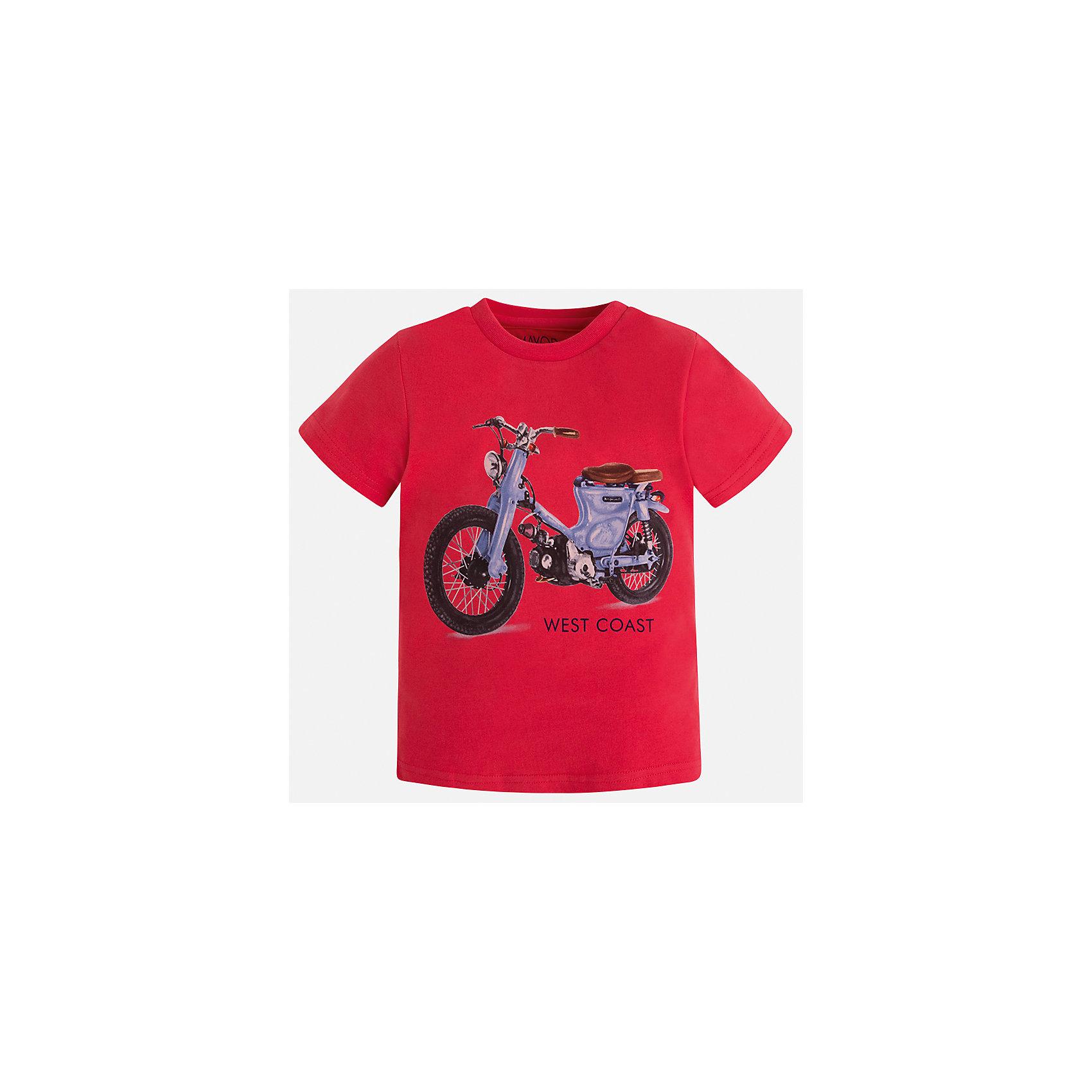 Футболка для мальчика MayoralФутболки, поло и топы<br>Характеристики товара:<br><br>• цвет: красный<br>• состав: 100% хлопок<br>• круглый горловой вырез<br>• декорирована принтом<br>• короткие рукава<br>• отделка горловины<br>• страна бренда: Испания<br><br>Стильная удобная футболка с принтом поможет разнообразить гардероб мальчика. Она отлично сочетается с брюками, шортами, джинсами. Универсальный крой и цвет позволяет подобрать к вещи низ разных расцветок. Практичное и стильное изделие! Хорошо смотрится и комфортно сидит на детях. В составе материала - только натуральный хлопок, гипоаллергенный, приятный на ощупь, дышащий. <br><br>Одежда, обувь и аксессуары от испанского бренда Mayoral полюбились детям и взрослым по всему миру. Модели этой марки - стильные и удобные. Для их производства используются только безопасные, качественные материалы и фурнитура. Порадуйте ребенка модными и красивыми вещами от Mayoral! <br><br>Футболку для мальчика от испанского бренда Mayoral (Майорал) можно купить в нашем интернет-магазине.<br><br>Ширина мм: 199<br>Глубина мм: 10<br>Высота мм: 161<br>Вес г: 151<br>Цвет: красный<br>Возраст от месяцев: 96<br>Возраст до месяцев: 108<br>Пол: Мужской<br>Возраст: Детский<br>Размер: 134,110,128,122,116,104,98,92<br>SKU: 5280026