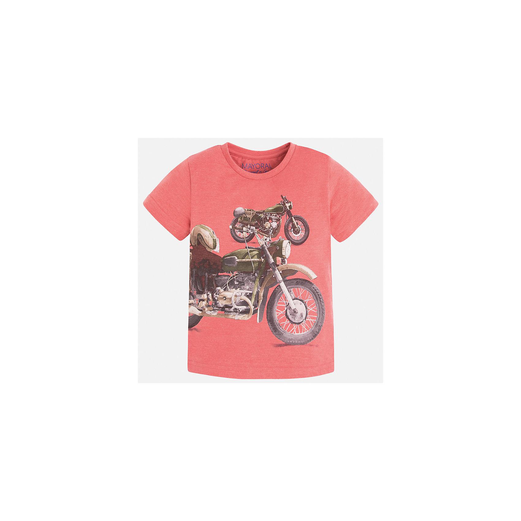 Футболка для мальчика MayoralХарактеристики товара:<br><br>• цвет: розовый<br>• состав: 60% хлопок, 40% полиэстер<br>• круглый горловой вырез<br>• декорирована принтом<br>• короткие рукава<br>• отделка горловины<br>• страна бренда: Испания<br><br>Стильная удобная футболка с принтом поможет разнообразить гардероб мальчика. Она отлично сочетается с брюками, шортами, джинсами. Универсальный крой и цвет позволяет подобрать к вещи низ разных расцветок. Практичное и стильное изделие! Хорошо смотрится и комфортно сидит на детях. В составе материала - натуральный хлопок, гипоаллергенный, приятный на ощупь, дышащий.<br> <br>Одежда, обувь и аксессуары от испанского бренда Mayoral полюбились детям и взрослым по всему миру. Модели этой марки - стильные и удобные. Для их производства используются только безопасные, качественные материалы и фурнитура. Порадуйте ребенка модными и красивыми вещами от Mayoral! <br><br>Футболку для мальчика от испанского бренда Mayoral (Майорал) можно купить в нашем интернет-магазине.<br><br>Ширина мм: 199<br>Глубина мм: 10<br>Высота мм: 161<br>Вес г: 151<br>Цвет: розовый<br>Возраст от месяцев: 18<br>Возраст до месяцев: 24<br>Пол: Мужской<br>Возраст: Детский<br>Размер: 92,122,134,116,110,104,98,128<br>SKU: 5280065