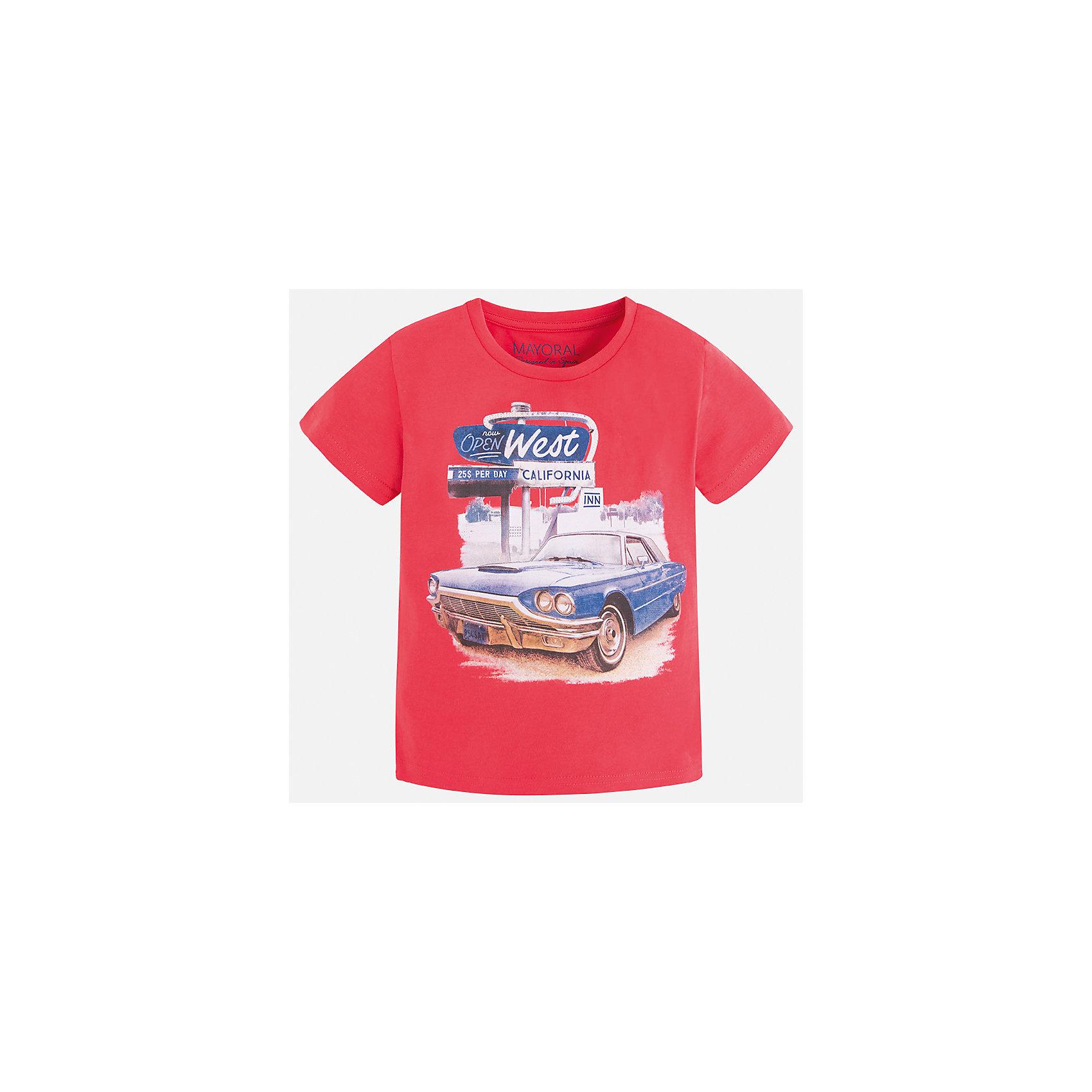Футболка для мальчика MayoralФутболки, поло и топы<br>Характеристики товара:<br><br>• цвет: красный<br>• состав: 100% хлопок<br>• круглый горловой вырез<br>• принт впереди<br>• короткие рукава<br>• отделка горловины<br>• страна бренда: Испания<br><br>Стильная футболка с принтом поможет разнообразить гардероб мальчика. Она отлично сочетается с брюками, шортами, джинсами и т.д. Универсальный крой и цвет позволяет подобрать к вещи низ разных расцветок. Практичное и стильное изделие! В составе материала - только натуральный хлопок, гипоаллергенный, приятный на ощупь, дышащий.<br><br>Одежда, обувь и аксессуары от испанского бренда Mayoral полюбились детям и взрослым по всему миру. Модели этой марки - стильные и удобные. Для их производства используются только безопасные, качественные материалы и фурнитура. Порадуйте ребенка модными и красивыми вещами от Mayoral! <br><br>Футболку для мальчика от испанского бренда Mayoral (Майорал) можно купить в нашем интернет-магазине.<br><br>Ширина мм: 199<br>Глубина мм: 10<br>Высота мм: 161<br>Вес г: 151<br>Цвет: красный<br>Возраст от месяцев: 18<br>Возраст до месяцев: 24<br>Пол: Мужской<br>Возраст: Детский<br>Размер: 92,134,128,122,116,110,104,98<br>SKU: 5280101