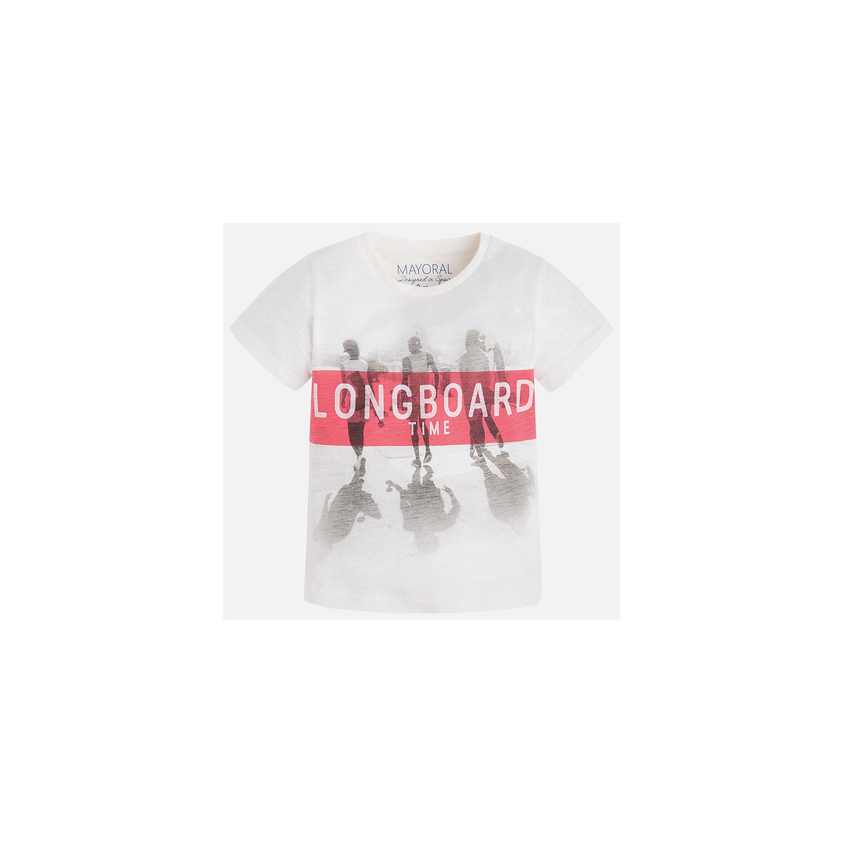 Футболка для мальчика MayoralФутболки, поло и топы<br>Характеристики товара:<br><br>• цвет: белый<br>• состав: 100% хлопок<br>• круглый горловой вырез<br>• декорирована принтом<br>• короткие рукава<br>• отделка горловины<br>• страна бренда: Испания<br><br>Удобная модная футболка с принтом поможет разнообразить гардероб мальчика. Она отлично сочетается с брюками, шортами, джинсами. Универсальный крой и цвет позволяет подобрать к вещи низ разных расцветок. Практичное и стильное изделие! Хорошо смотрится и комфортно сидит на детях. В составе материала - только натуральный хлопок, гипоаллергенный, приятный на ощупь, дышащий.<br> <br>Одежда, обувь и аксессуары от испанского бренда Mayoral полюбились детям и взрослым по всему миру. Модели этой марки - стильные и удобные. Для их производства используются только безопасные, качественные материалы и фурнитура. Порадуйте ребенка модными и красивыми вещами от Mayoral! <br><br>Футболку для мальчика от испанского бренда Mayoral (Майорал) можно купить в нашем интернет-магазине.<br><br>Ширина мм: 199<br>Глубина мм: 10<br>Высота мм: 161<br>Вес г: 151<br>Цвет: бежевый<br>Возраст от месяцев: 96<br>Возраст до месяцев: 108<br>Пол: Мужской<br>Возраст: Детский<br>Размер: 134,116,122,128<br>SKU: 5280137