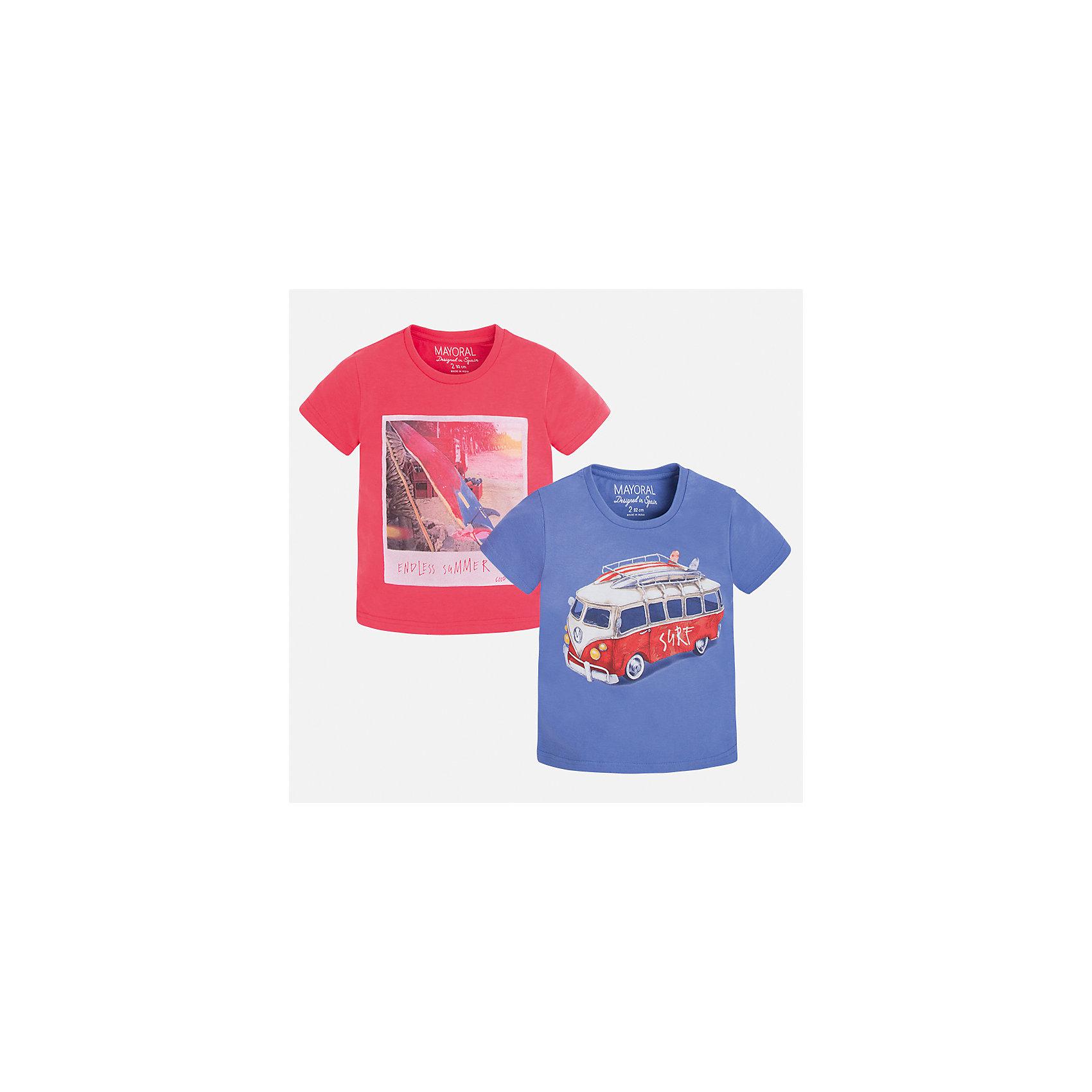 Футболка (2 шт.) для мальчика MayoralФутболки, поло и топы<br>Характеристики товара:<br><br>• цвет: красный/синий<br>• состав: 100% хлопок<br>• комплектация: 2 шт<br>• декорированы рисунком<br>• короткие рукава<br>• отделка горловины<br>• страна бренда: Испания<br><br>Модная удобная футболка с принтом поможет разнообразить гардероб мальчика. Она отлично сочетается с брюками, шортами, джинсами. Универсальный крой и цвет позволяет подобрать к вещи низ разных расцветок. Практичное и стильное изделие! Хорошо смотрится и комфортно сидит на детях. В составе материала - только натуральный хлопок, гипоаллергенный, приятный на ощупь, дышащий. <br><br>Одежда, обувь и аксессуары от испанского бренда Mayoral полюбились детям и взрослым по всему миру. Модели этой марки - стильные и удобные. Для их производства используются только безопасные, качественные материалы и фурнитура. Порадуйте ребенка модными и красивыми вещами от Mayoral! <br><br>Футболку (2 шт.) для мальчика от испанского бренда Mayoral (Майорал) можно купить в нашем интернет-магазине.<br><br>Ширина мм: 230<br>Глубина мм: 40<br>Высота мм: 220<br>Вес г: 250<br>Цвет: красный<br>Возраст от месяцев: 18<br>Возраст до месяцев: 24<br>Пол: Мужской<br>Возраст: Детский<br>Размер: 92,134,128,116,98,110,104,122<br>SKU: 5280147