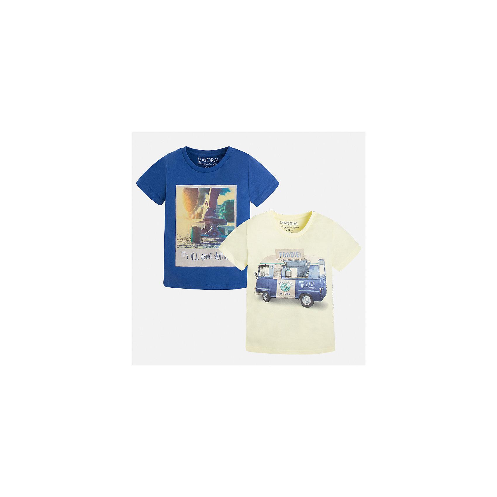 Футболка с длинным рукавом для мальчика MayoralФутболки, поло и топы<br>Характеристики товара:<br><br>• цвет: желтый/синий<br>• состав: 100% хлопок<br>• комплектация: 2 шт<br>• декорированы рисунком<br>• короткие рукава<br>• отделка горловины<br>• страна бренда: Испания<br><br>Модная удобная футболка с принтом поможет разнообразить гардероб мальчика. Она отлично сочетается с брюками, шортами, джинсами. Универсальный крой и цвет позволяет подобрать к вещи низ разных расцветок. Практичное и стильное изделие! Хорошо смотрится и комфортно сидит на детях. В составе материала - только натуральный хлопок, гипоаллергенный, приятный на ощупь, дышащий. <br><br>Одежда, обувь и аксессуары от испанского бренда Mayoral полюбились детям и взрослым по всему миру. Модели этой марки - стильные и удобные. Для их производства используются только безопасные, качественные материалы и фурнитура. Порадуйте ребенка модными и красивыми вещами от Mayoral! <br><br>Футболку (2 шт.) для мальчика от испанского бренда Mayoral (Майорал) можно купить в нашем интернет-магазине.<br><br>Ширина мм: 230<br>Глубина мм: 40<br>Высота мм: 220<br>Вес г: 250<br>Цвет: белый<br>Возраст от месяцев: 72<br>Возраст до месяцев: 84<br>Пол: Мужской<br>Возраст: Детский<br>Размер: 122,134,128,116,110,104,98,92<br>SKU: 5280156