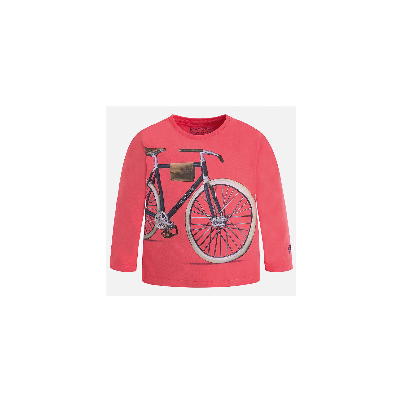 Футболка с длинным рукавом для мальчика MayoralФутболки с длинным рукавом<br>Характеристики товара:<br><br>• цвет: розовый<br>• состав: 100% хлопок<br>• круглый горловой вырез<br>• декорирована принтом<br>• длинные рукава<br>• отделка горловины<br>• страна бренда: Испания<br><br>Удобная модная футболка с принтом поможет разнообразить гардероб мальчика. Она отлично сочетается с брюками, шортами, джинсами. Универсальный крой и цвет позволяет подобрать к вещи низ разных расцветок. Практичное и стильное изделие! Хорошо смотрится и комфортно сидит на детях. В составе материала - только натуральный хлопок, гипоаллергенный, приятный на ощупь, дышащий. <br><br>Одежда, обувь и аксессуары от испанского бренда Mayoral полюбились детям и взрослым по всему миру. Модели этой марки - стильные и удобные. Для их производства используются только безопасные, качественные материалы и фурнитура. Порадуйте ребенка модными и красивыми вещами от Mayoral! <br><br>Футболку с длинным рукавом для мальчика от испанского бренда Mayoral (Майорал) можно купить в нашем интернет-магазине.<br><br>Ширина мм: 230<br>Глубина мм: 40<br>Высота мм: 220<br>Вес г: 250<br>Цвет: розовый<br>Возраст от месяцев: 72<br>Возраст до месяцев: 84<br>Пол: Мужской<br>Возраст: Детский<br>Размер: 122,134,128,116,110,104,98,92<br>SKU: 5280219