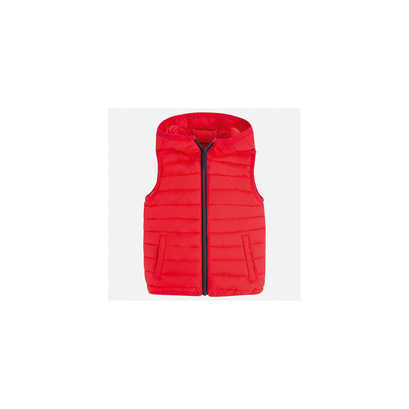 Жилет для мальчика MayoralВерхняя одежда<br>Характеристики товара:<br><br>• цвет: красный<br>• состав: 100% полиэстер<br>• температурный режим: от +20°до +10°С<br>• без рукавов<br>• карманы<br>• молния <br>• капюшон<br>• страна бренда: Испания<br><br>Стильный жилет для мальчика поможет разнообразить гардероб ребенка и обеспечить тепло. Он отлично сочетается и с джинсами, и с брюками. Универсальный цвет позволяет подобрать к вещи низ различных расцветок. Модное и практичное изделие.<br><br>Одежда, обувь и аксессуары от испанского бренда Mayoral полюбились детям и взрослым по всему миру. Модели этой марки - стильные и удобные. Для их производства используются только безопасные, качественные материалы и фурнитура. Порадуйте ребенка модными и красивыми вещами от Mayoral! <br><br>Жилет для мальчика от испанского бренда Mayoral (Майорал) можно купить в нашем интернет-магазине.<br><br>Ширина мм: 190<br>Глубина мм: 74<br>Высота мм: 229<br>Вес г: 236<br>Цвет: розовый<br>Возраст от месяцев: 72<br>Возраст до месяцев: 84<br>Пол: Мужской<br>Возраст: Детский<br>Размер: 122,92,134,128,116,110,104,98<br>SKU: 5280468