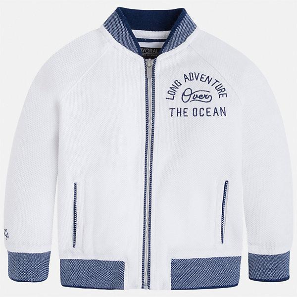 Куртка для мальчика MayoralВерхняя одежда<br>Характеристики товара:<br><br>• цвет: белый<br>• состав: 60% хлопок, 40% полиэстер<br>• рукава длинные <br>• карманы<br>• застежка: молния<br>• вышивка<br>• страна бренда: Испания<br><br>Теплая одежда может быть очень стильной! Удобная и красивая куртка для мальчика поможет разнообразить гардероб ребенка и обеспечить комфорт. Она отлично сочетается и с джинсами, и с брюками. Универсальный цвет позволяет подобрать к вещи низ различных расцветок. Интересная отделка модели делает её нарядной и оригинальной. В составе материала - натуральный хлопок, гипоаллергенный, приятный на ощупь, дышащий.<br><br>Одежда, обувь и аксессуары от испанского бренда Mayoral полюбились детям и взрослым по всему миру. Модели этой марки - стильные и удобные. Для их производства используются только безопасные, качественные материалы и фурнитура. Порадуйте ребенка модными и красивыми вещами от Mayoral! <br><br>Куртку для мальчика от испанского бренда Mayoral (Майорал) можно купить в нашем интернет-магазине.<br><br>Ширина мм: 356<br>Глубина мм: 10<br>Высота мм: 245<br>Вес г: 519<br>Цвет: белый<br>Возраст от месяцев: 18<br>Возраст до месяцев: 24<br>Пол: Мужской<br>Возраст: Детский<br>Размер: 92,134,116,98,104,110,122,128<br>SKU: 5280540