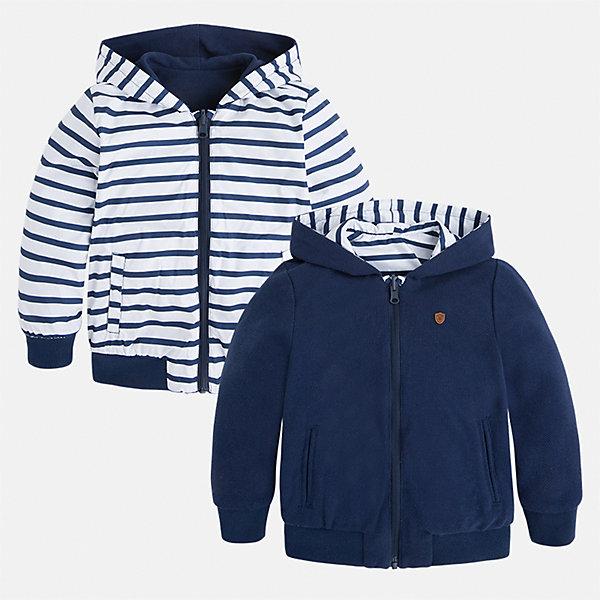 Куртка двухсторонняя для мальчика MayoralПолоска<br>Характеристики товара:<br><br>• цвет: белый/синий<br>• состав: 100% полиэстер, подкладка - 60% хлопок, 40% полиэстер<br>• температурный режим: от +15°до +5°С<br>• двусторонняя<br>• карманы<br>• молния<br>• капюшон<br>• страна бренда: Испания<br><br>Легкая куртка для мальчика поможет разнообразить гардероб ребенка и обеспечить тепло в прохладную погоду. Эта ветровка - два в одном: стоит её вывернуть - и появляется еще одна курточка другой расцветки. Она отлично сочетается и с джинсами, и с брюками. Универсальный цвет позволяет подобрать к вещи низ различных расцветок. Интересная отделка модели делает её нарядной и оригинальной. <br><br>Одежда, обувь и аксессуары от испанского бренда Mayoral полюбились детям и взрослым по всему миру. Модели этой марки - стильные и удобные. Для их производства используются только безопасные, качественные материалы и фурнитура. Порадуйте ребенка модными и красивыми вещами от Mayoral! <br><br>Куртку для мальчика от испанского бренда Mayoral (Майорал) можно купить в нашем интернет-магазине.<br><br>Ширина мм: 356<br>Глубина мм: 10<br>Высота мм: 245<br>Вес г: 519<br>Цвет: синий<br>Возраст от месяцев: 72<br>Возраст до месяцев: 84<br>Пол: Мужской<br>Возраст: Детский<br>Размер: 122,98,110,134,104,128,116,92<br>SKU: 5280549