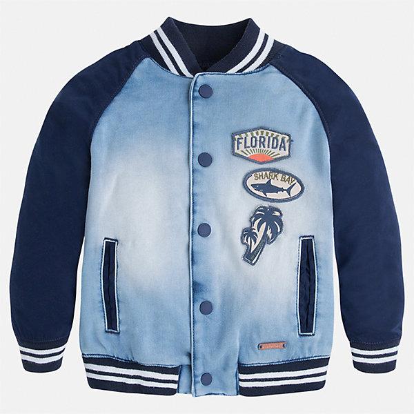 Куртка для мальчика MayoralВерхняя одежда<br>Характеристики товара:<br><br>• цвет: голубой/синий<br>• состав: 57% полиэстер, 42% хлопок, 1% эластан<br>• температурный режим: от +20°до +10°С<br>• рукава длинные <br>• карманы<br>• кнопки <br>• нашивки<br>• страна бренда: Испания<br><br>Теплая одежда может быть очень стильной! Удобная и красивая куртка для мальчика поможет разнообразить гардероб ребенка и обеспечить комфорт. Она отлично сочетается и с джинсами, и с брюками. Универсальный цвет позволяет подобрать к вещи низ различных расцветок. Интересная отделка модели делает её нарядной и оригинальной. В составе материала - натуральный хлопок, гипоаллергенный, приятный на ощупь, дышащий.<br><br>Одежда, обувь и аксессуары от испанского бренда Mayoral полюбились детям и взрослым по всему миру. Модели этой марки - стильные и удобные. Для их производства используются только безопасные, качественные материалы и фурнитура. Порадуйте ребенка модными и красивыми вещами от Mayoral! <br><br>Куртку для мальчика от испанского бренда Mayoral (Майорал) можно купить в нашем интернет-магазине.<br><br>Ширина мм: 356<br>Глубина мм: 10<br>Высота мм: 245<br>Вес г: 519<br>Цвет: голубой<br>Возраст от месяцев: 36<br>Возраст до месяцев: 48<br>Пол: Мужской<br>Возраст: Детский<br>Размер: 104,122,134,128,116,110,98,92<br>SKU: 5280567