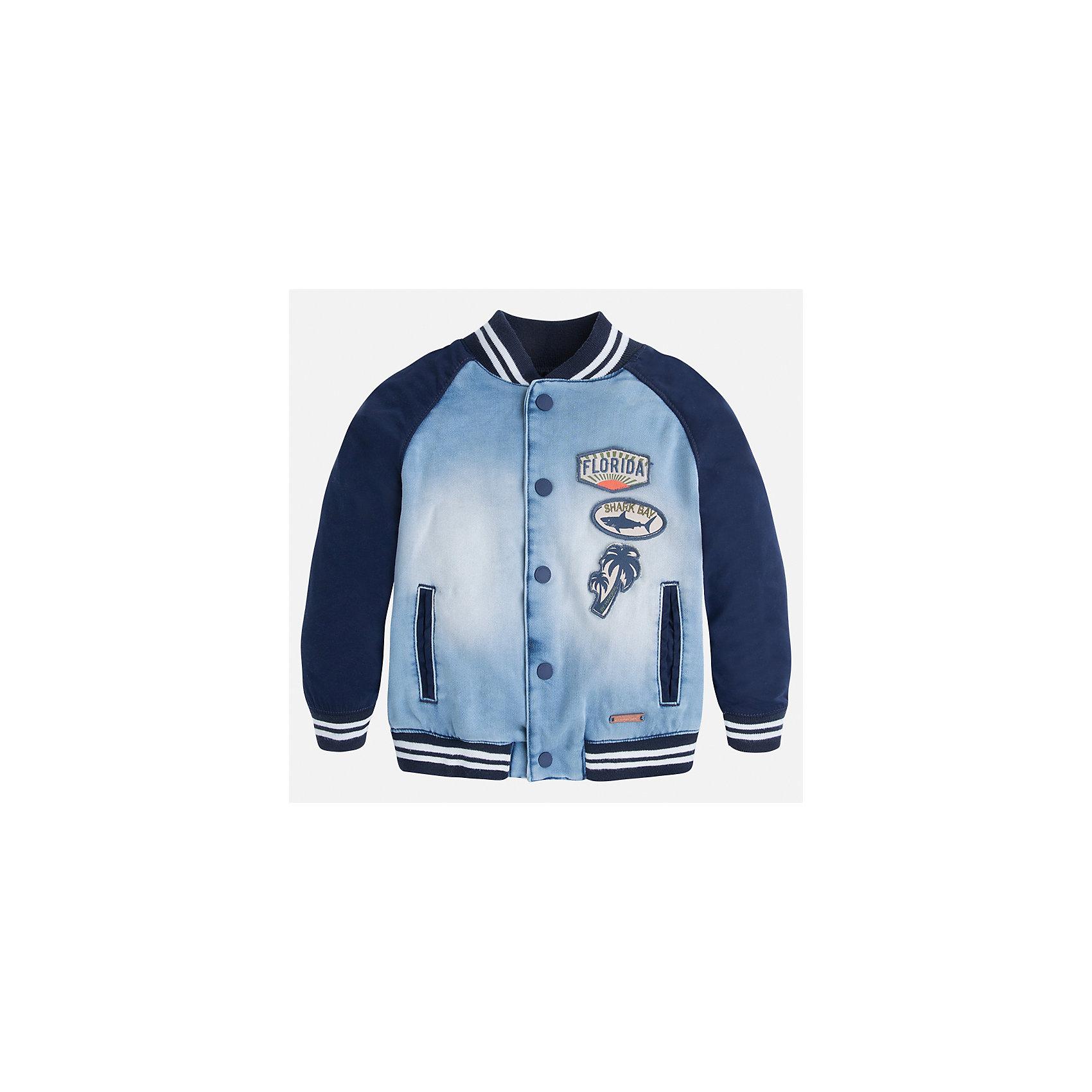 Куртка для мальчика MayoralХарактеристики товара:<br><br>• цвет: голубой/синий<br>• состав: 57% полиэстер, 42% хлопок, 1% эластан<br>• температурный режим: от +20°до +10°С<br>• рукава длинные <br>• карманы<br>• кнопки <br>• нашивки<br>• страна бренда: Испания<br><br>Теплая одежда может быть очень стильной! Удобная и красивая куртка для мальчика поможет разнообразить гардероб ребенка и обеспечить комфорт. Она отлично сочетается и с джинсами, и с брюками. Универсальный цвет позволяет подобрать к вещи низ различных расцветок. Интересная отделка модели делает её нарядной и оригинальной. В составе материала - натуральный хлопок, гипоаллергенный, приятный на ощупь, дышащий.<br><br>Одежда, обувь и аксессуары от испанского бренда Mayoral полюбились детям и взрослым по всему миру. Модели этой марки - стильные и удобные. Для их производства используются только безопасные, качественные материалы и фурнитура. Порадуйте ребенка модными и красивыми вещами от Mayoral! <br><br>Куртку для мальчика от испанского бренда Mayoral (Майорал) можно купить в нашем интернет-магазине.<br><br>Ширина мм: 356<br>Глубина мм: 10<br>Высота мм: 245<br>Вес г: 519<br>Цвет: голубой<br>Возраст от месяцев: 72<br>Возраст до месяцев: 84<br>Пол: Мужской<br>Возраст: Детский<br>Размер: 116,128,134,122,104,92,98,110<br>SKU: 5280567